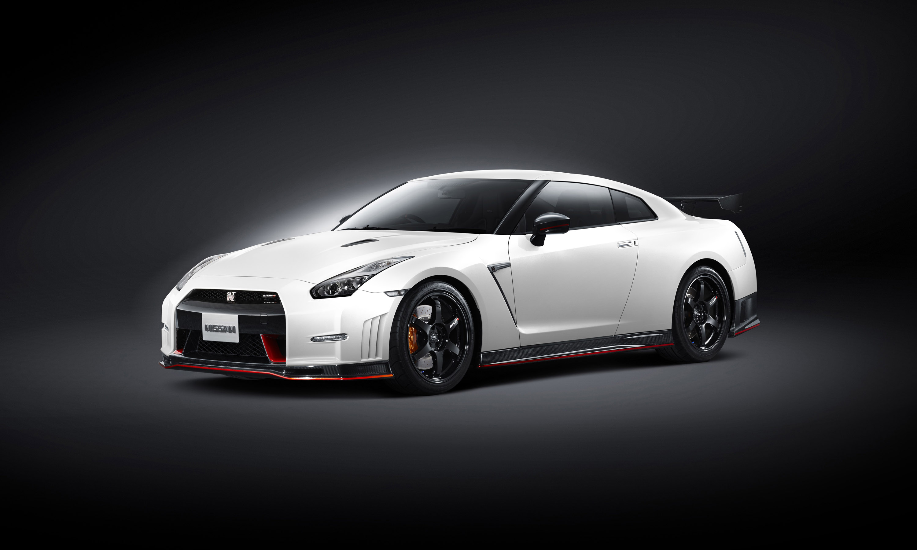 2014 Nissan Gt R Nismo Eu Spec Road And Track Test
