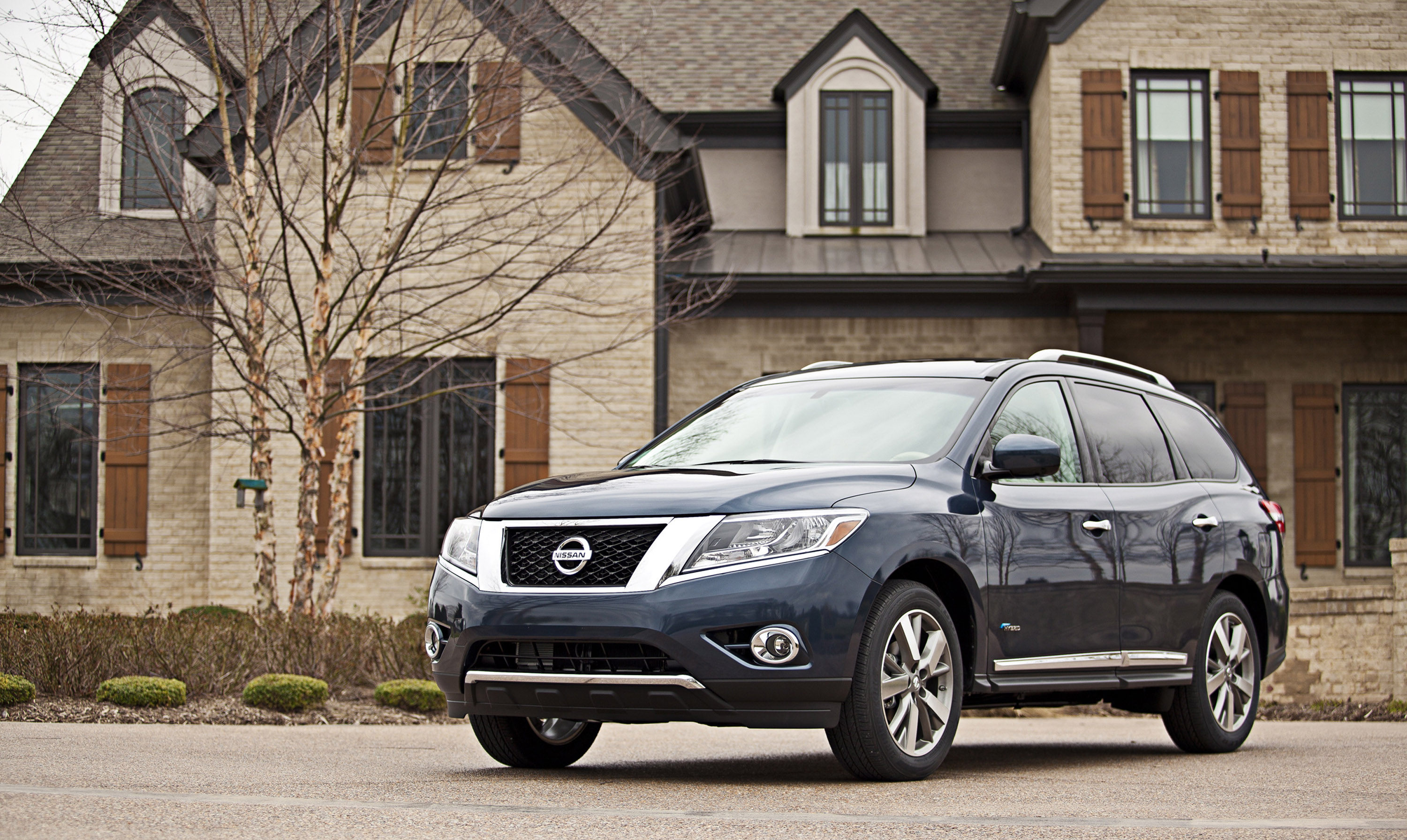 2014 Nissan Pathfinder Hybrid With Debut In New York