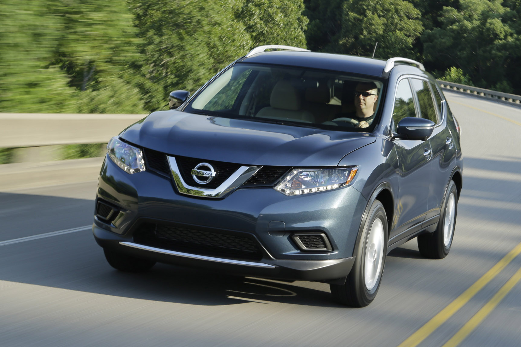 2015 nissan rogue goes on sale in the us. Black Bedroom Furniture Sets. Home Design Ideas