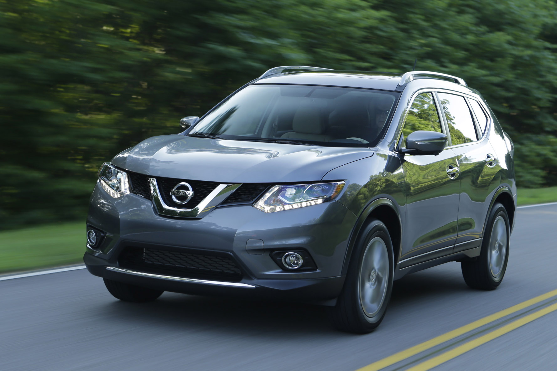 Nissan Rogue Interior >> 2014 Nissan Rogue Select Continues Brand's Lineup