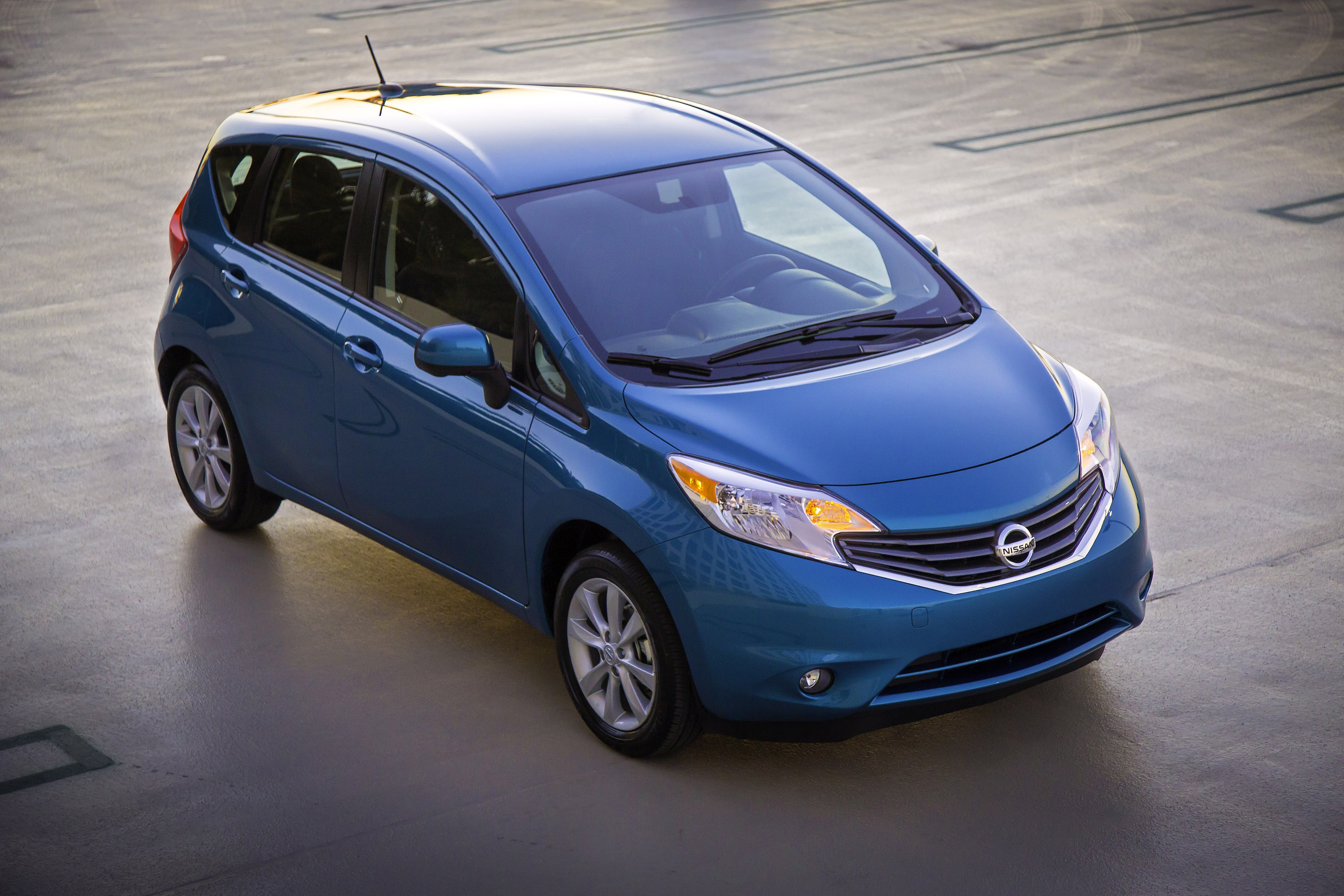 2014 nissan versa note us price 13 990. Black Bedroom Furniture Sets. Home Design Ideas