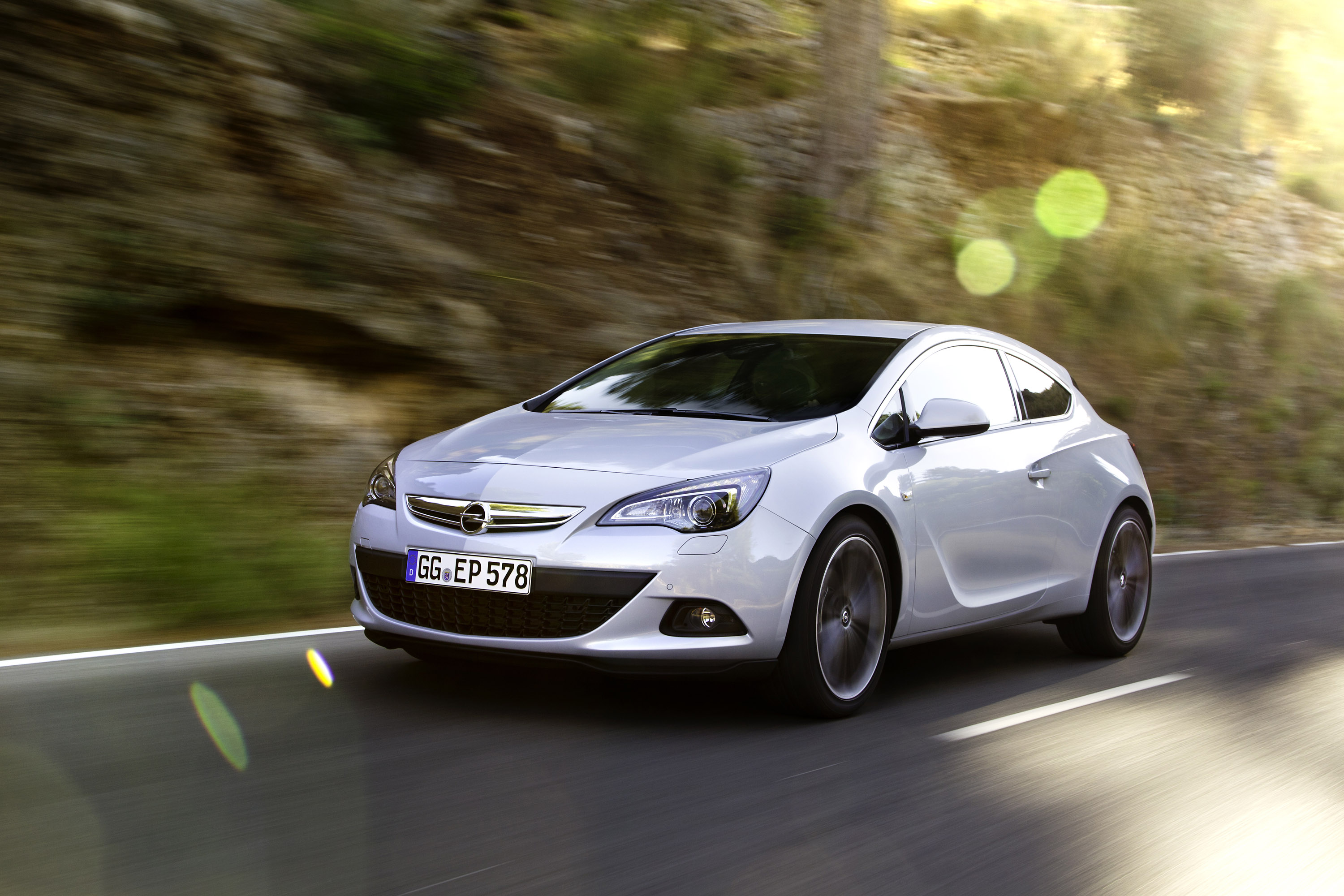 2014 opel astra gtc 1 6 cdti 136hp and 320nm. Black Bedroom Furniture Sets. Home Design Ideas