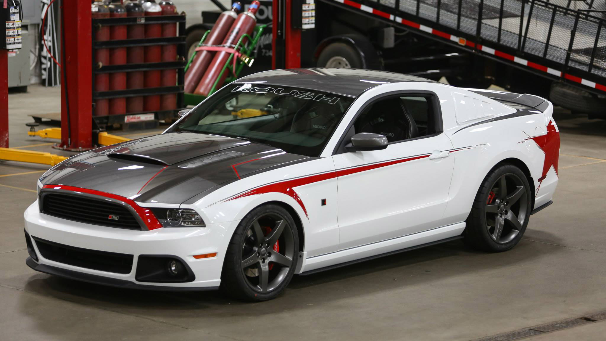 custom made 2014 roush ford mustang stage 3 still hot. Black Bedroom Furniture Sets. Home Design Ideas