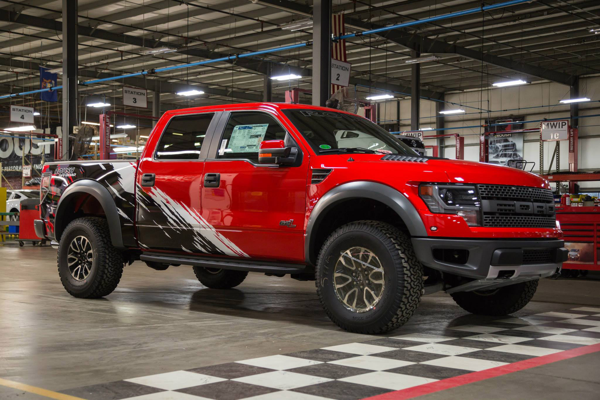 2014 Roush Off-Road Ford F-150 SVT Raptor With Custom Graphics