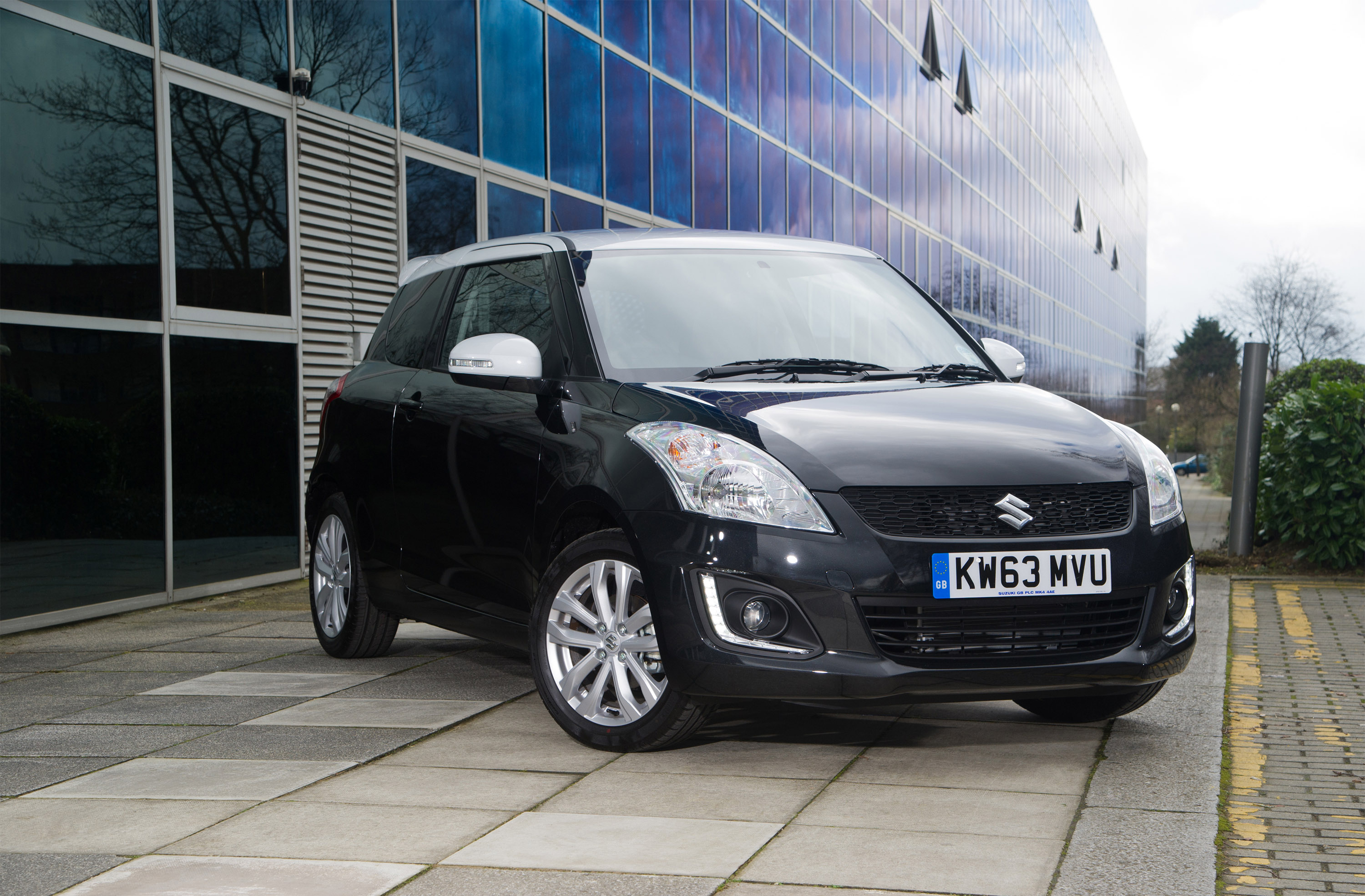2014 suzuki swift szl special edition price