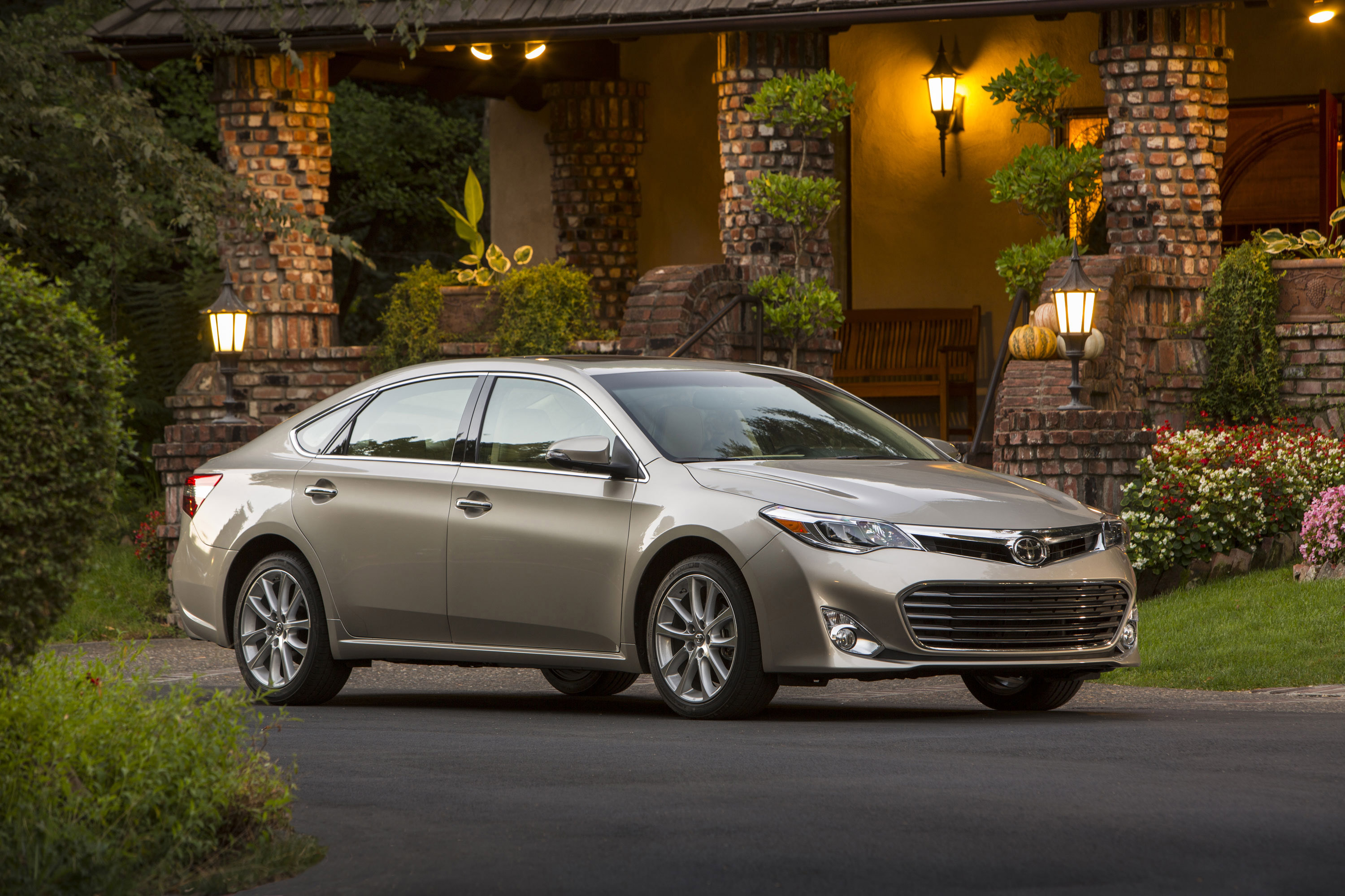 toyota avalon review bleakney test peter expert drive limited