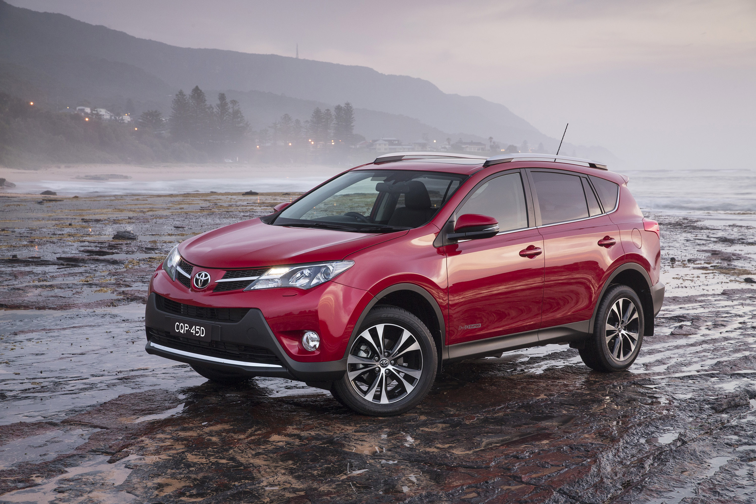 toyota rav4 comes enhanced for 2014. Black Bedroom Furniture Sets. Home Design Ideas