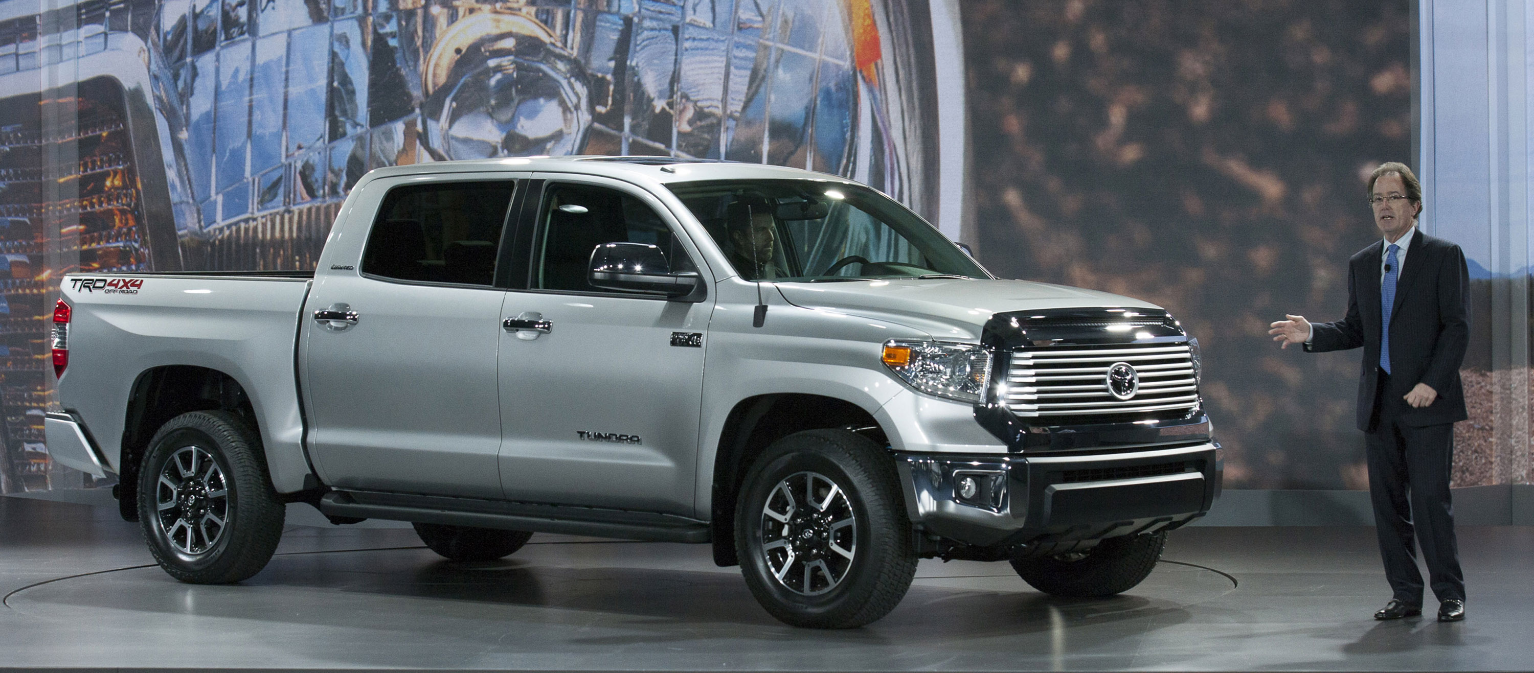 2014 toyota tundra at the chicago auto show. Black Bedroom Furniture Sets. Home Design Ideas