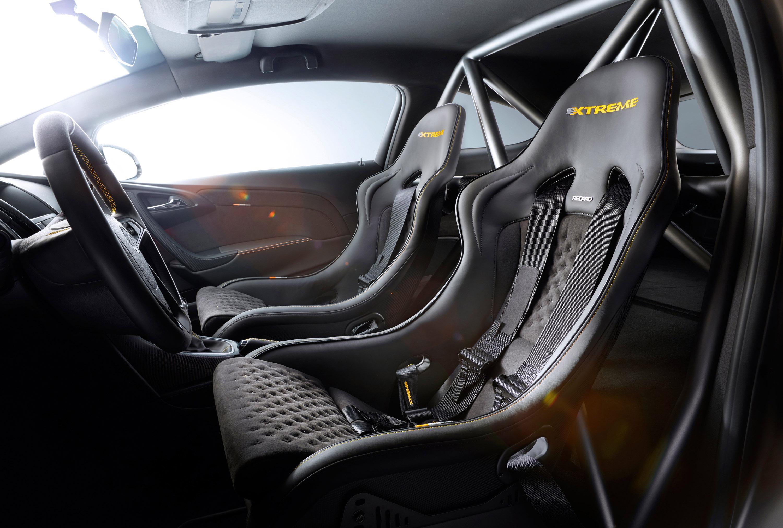 2014 Geneva Motor Show Opel Astra Opc Extreme