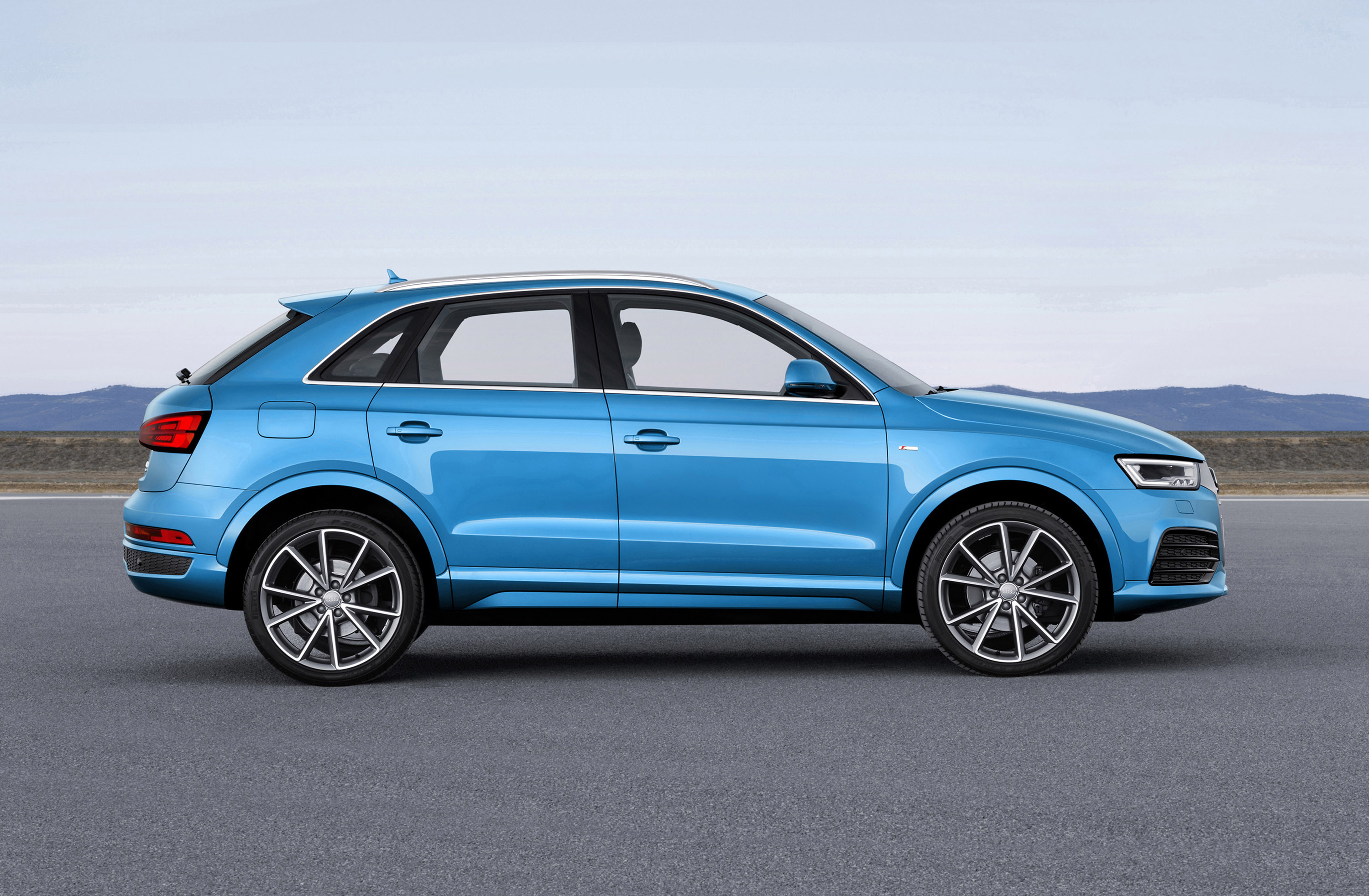 2015 Audi Q3 And Audi Rs Q3 Picture 112842