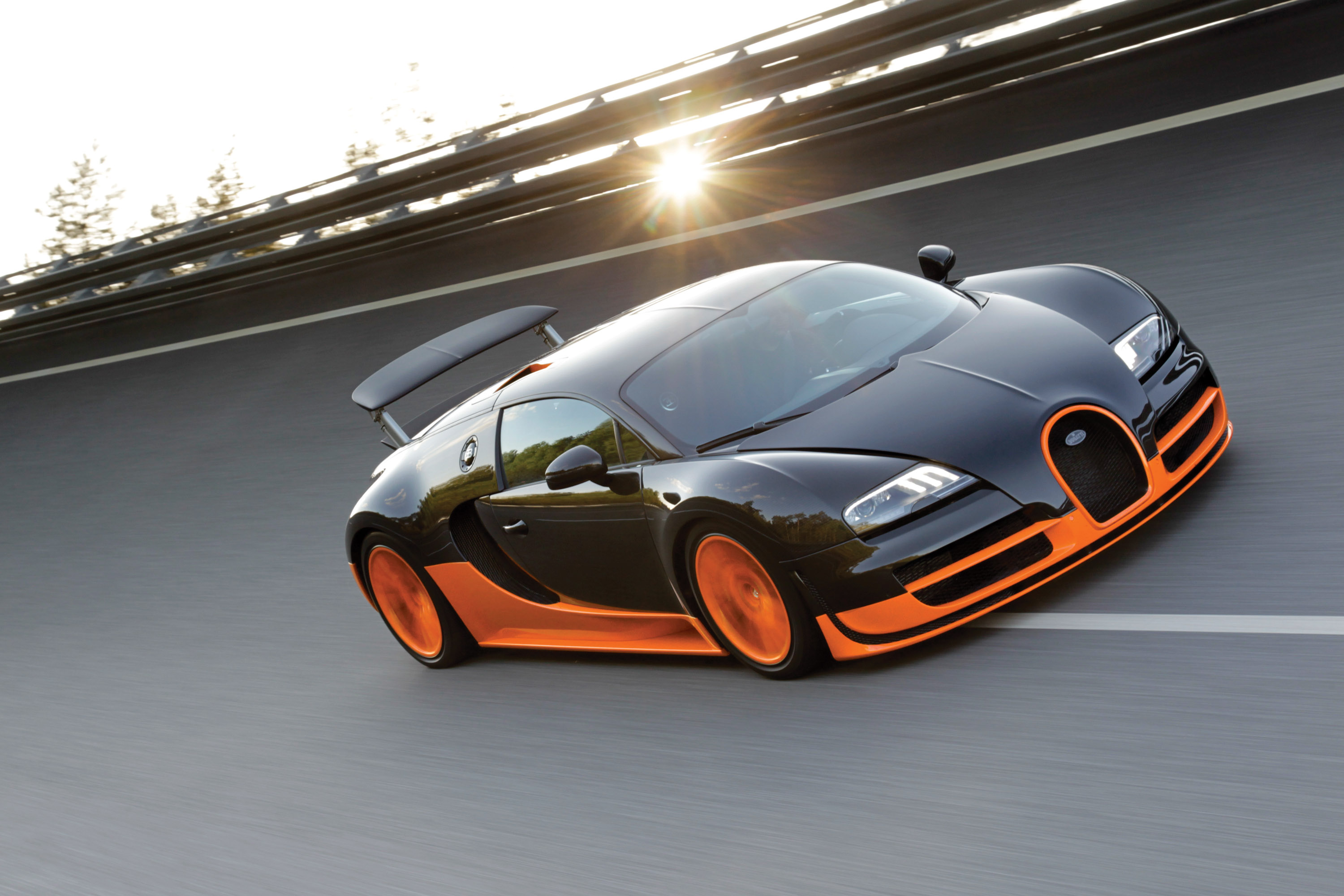 bugatti introduces veyron 16 4 super sport world record edition. Black Bedroom Furniture Sets. Home Design Ideas