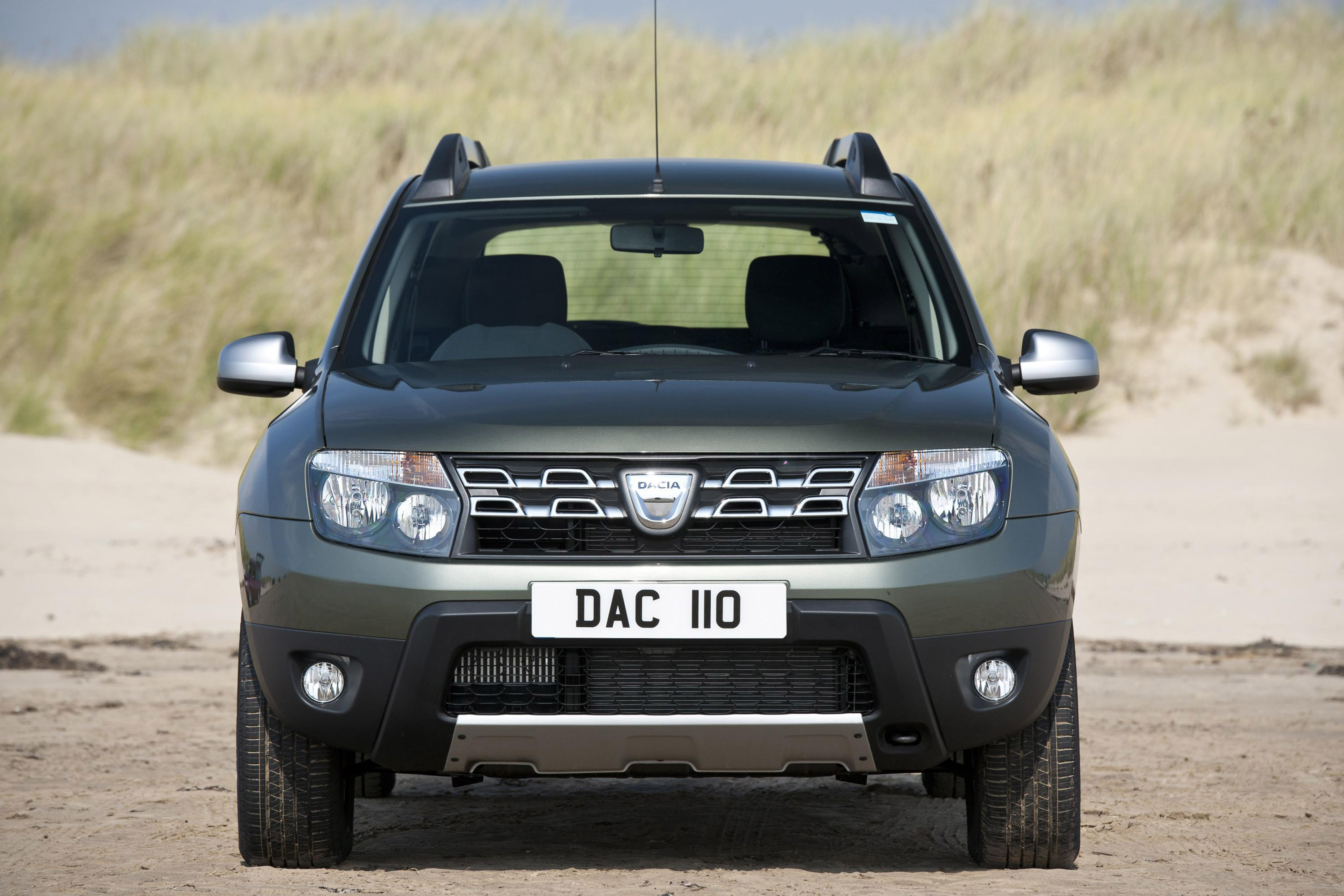 2015 dacia duster gets styling upgrades. Black Bedroom Furniture Sets. Home Design Ideas