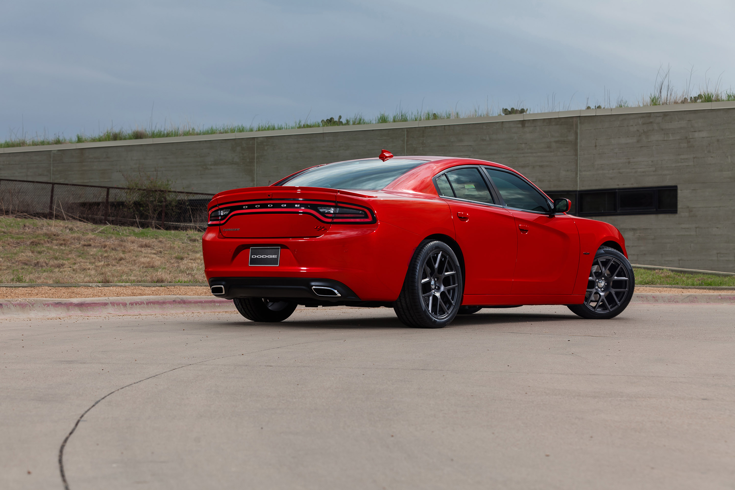 2015 dodge charger r/t recognized with alg residual value award