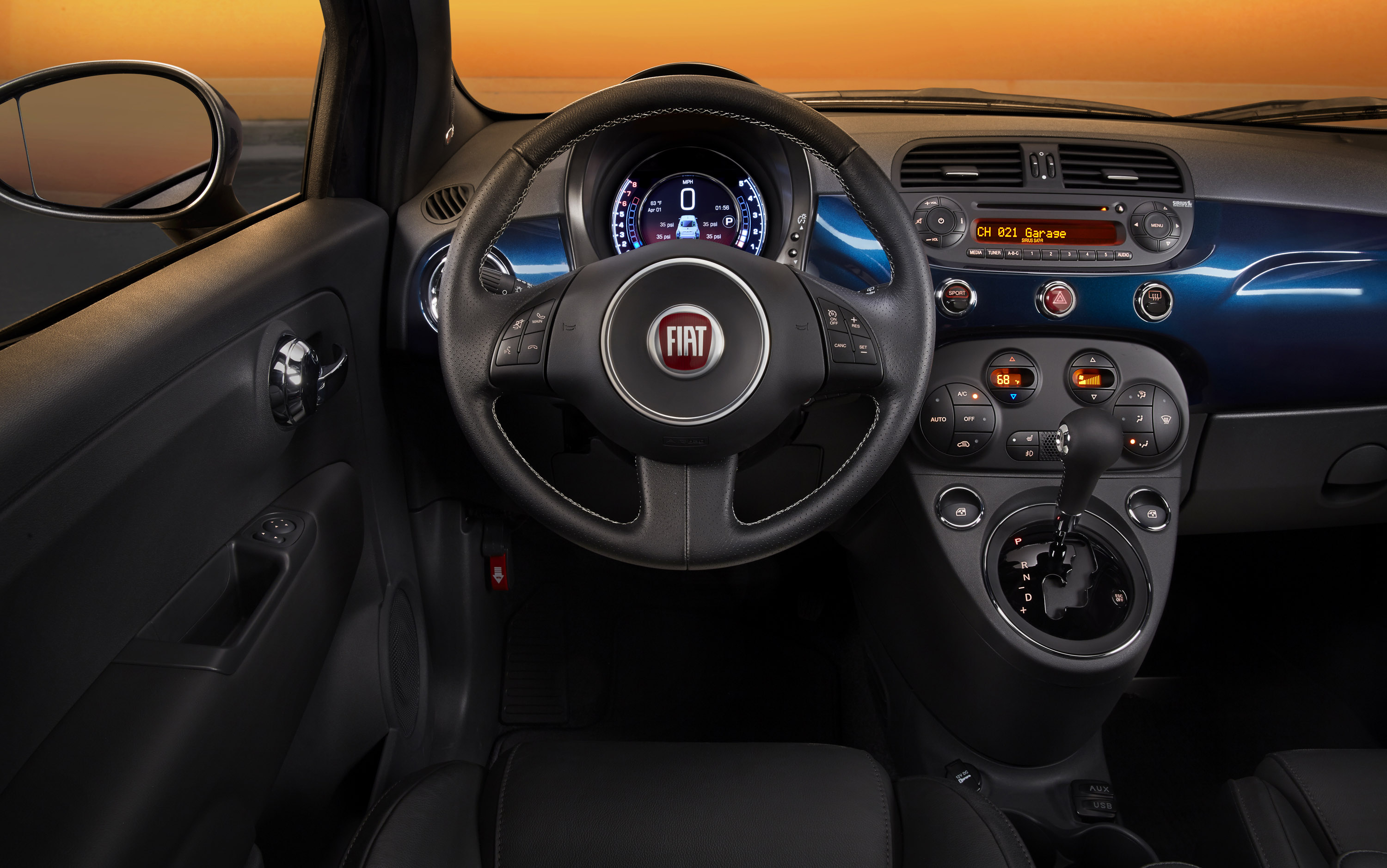 Fiat shows the interior of upcoming 2015 fiat 500 for Interieur fiat 500
