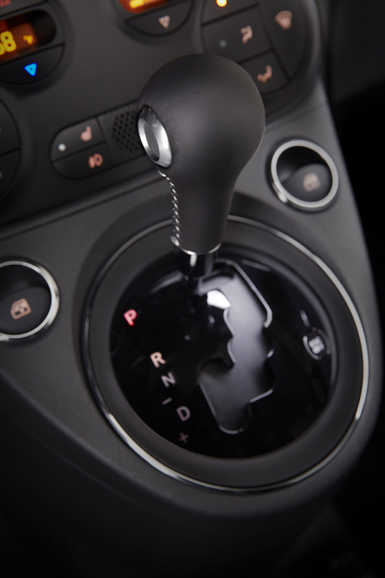 2015 Nissan Maxima >> 2015 Fiat 500 Abarth Gets Six-Speed Automatic Transmission