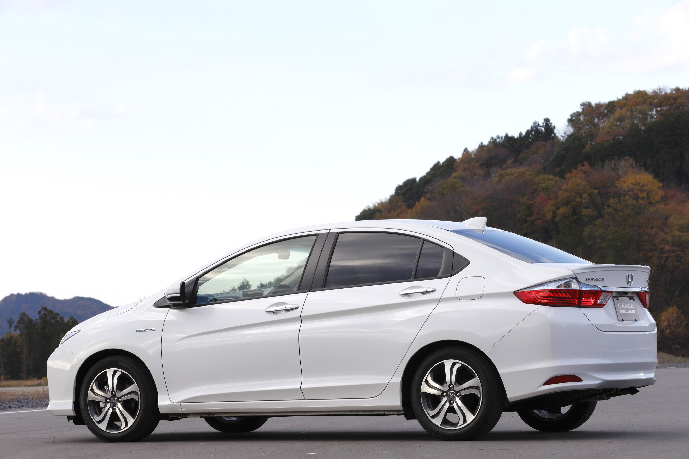 "2015 Honda Civic For Sale >> Honda Introduces Most Efficient Hybrid Sedan Named ""Grace"""