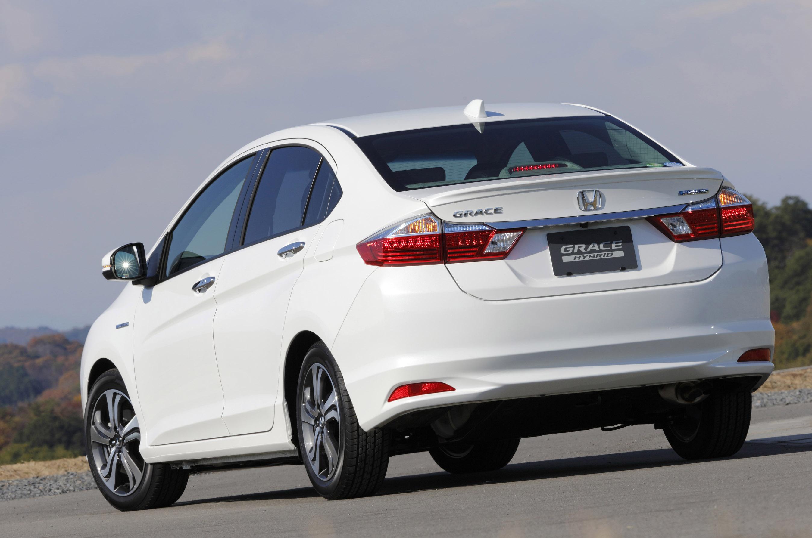 "Honda Introduces Most Efficient Hybrid Sedan Named ""Grace"""