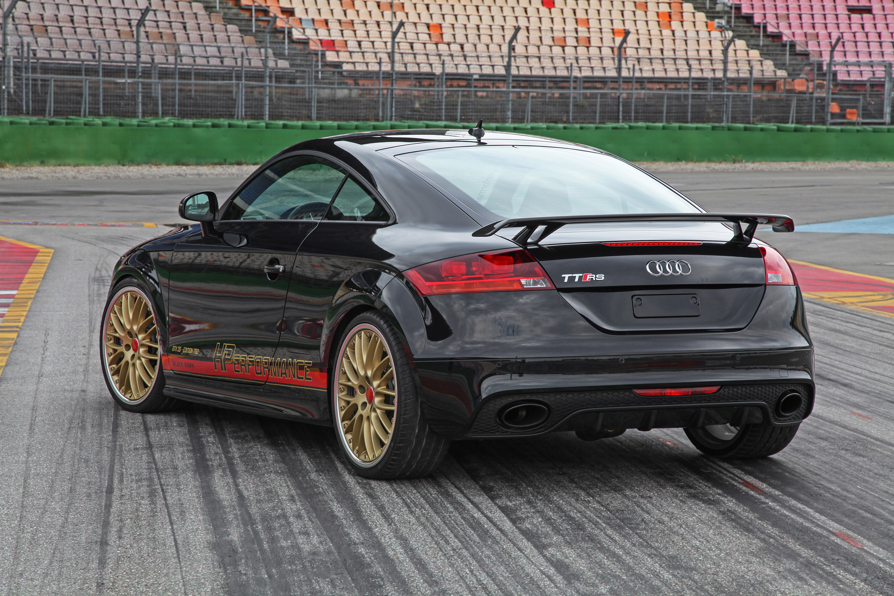 meet the strongest audi tt rs on the planet. Black Bedroom Furniture Sets. Home Design Ideas