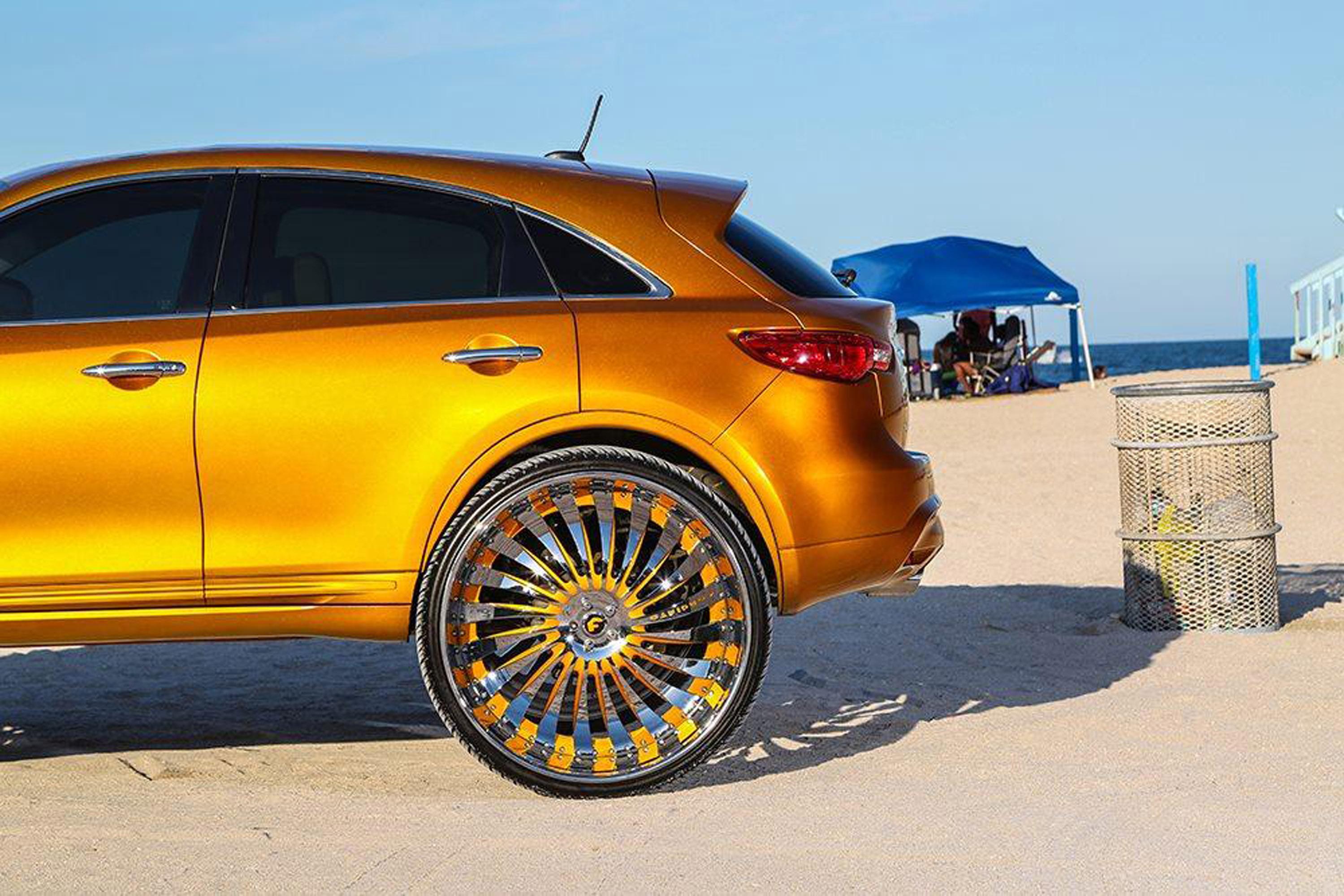 Infiniti Fx With 32 Inch Autonomo L Wheels