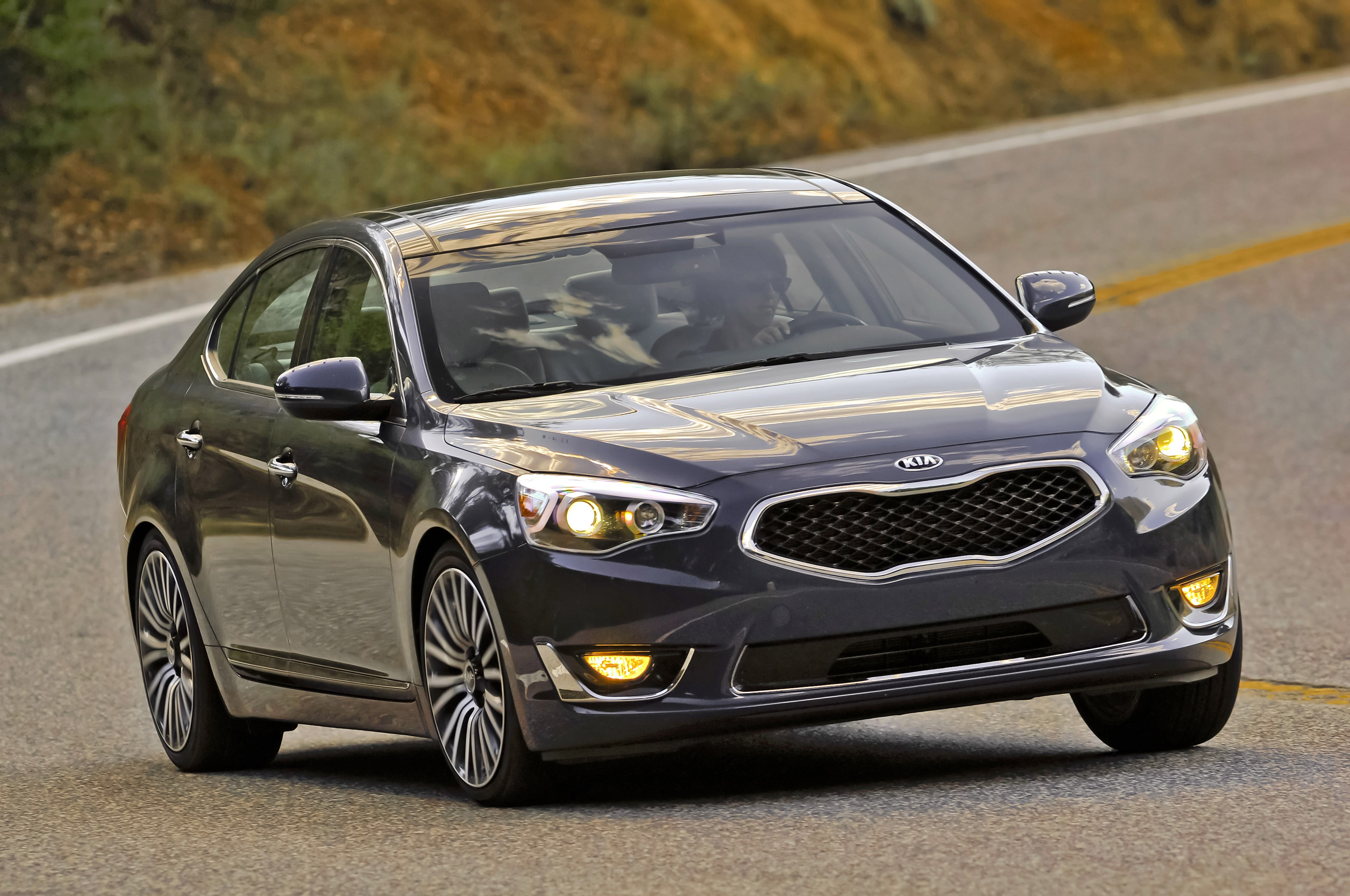 kia cadenza premium and limited enhanced for my2015. Black Bedroom Furniture Sets. Home Design Ideas