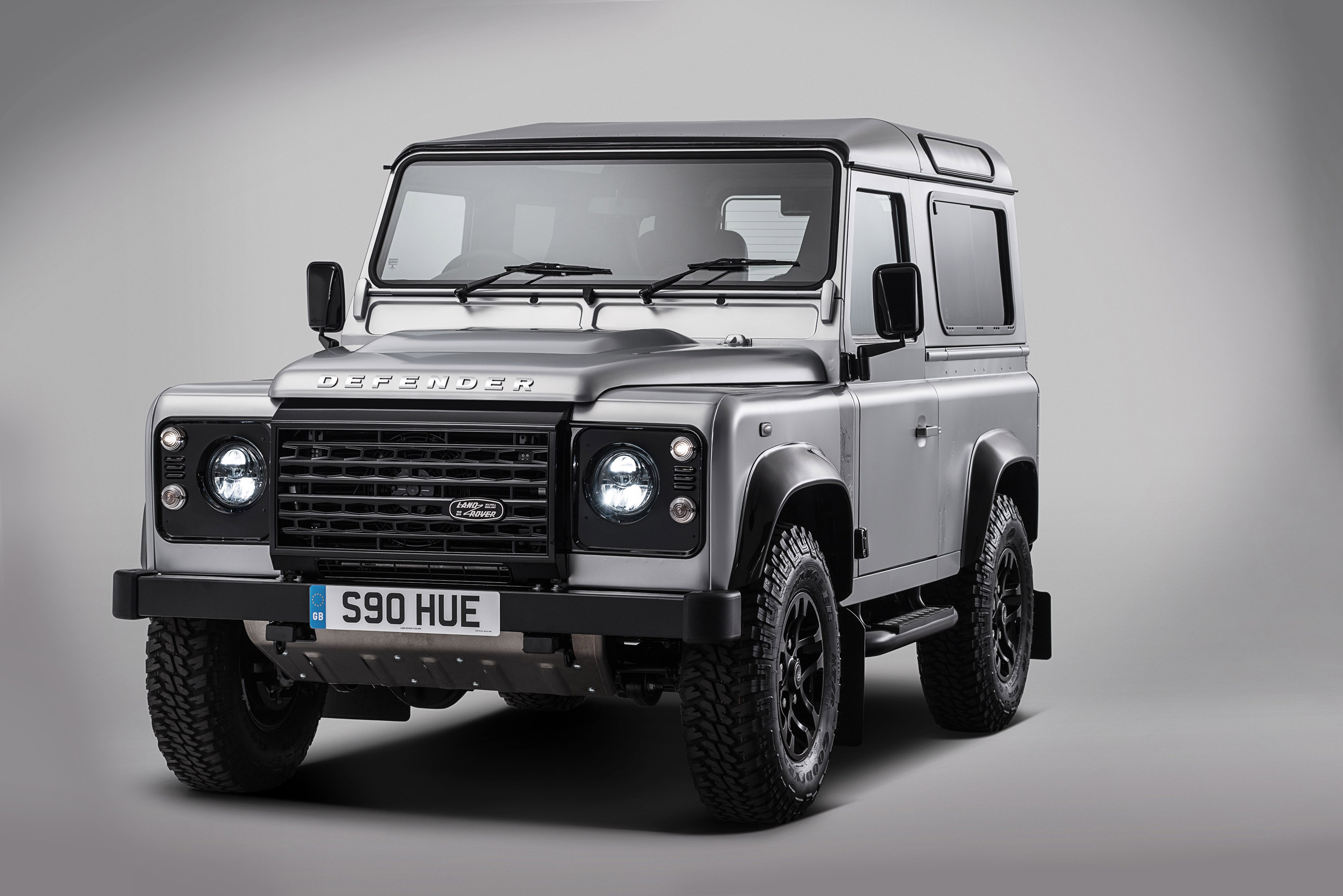 land rover defender celebrates 70th anniversary with special model. Black Bedroom Furniture Sets. Home Design Ideas