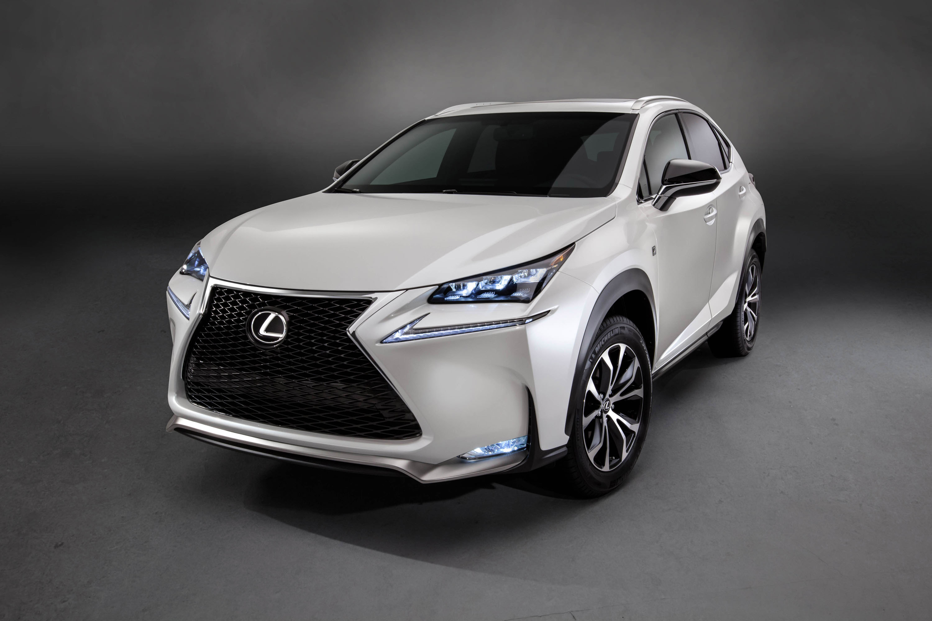 lexus introduces new turbo engine in lexus nx 200t. Black Bedroom Furniture Sets. Home Design Ideas