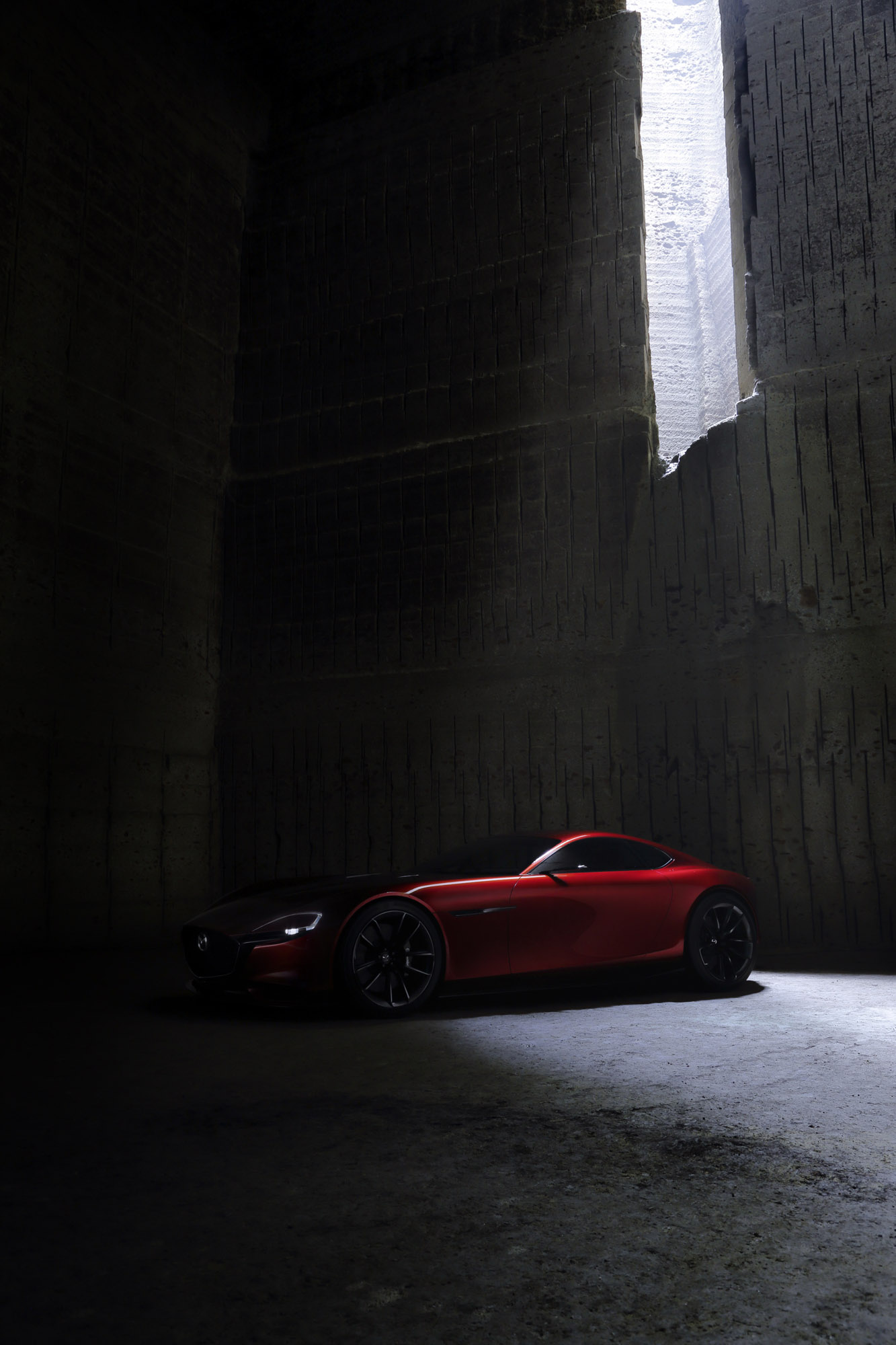 https://www.automobilesreview.com/gallery/2015-mazda-rx-vision-concept/2015-mazda-rx-vision-concept-03.jpg