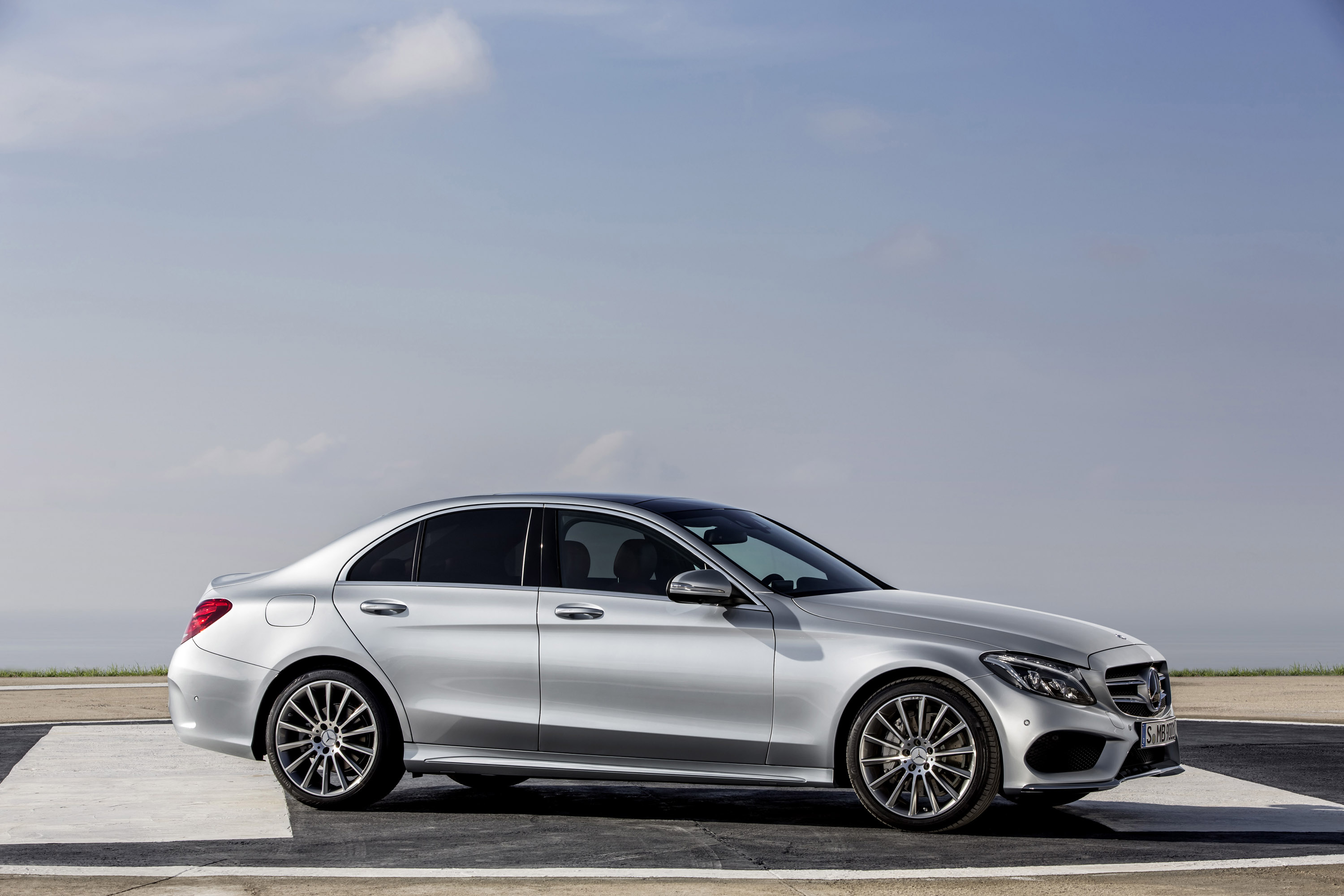 2014 mercedes benz c class engine lineup