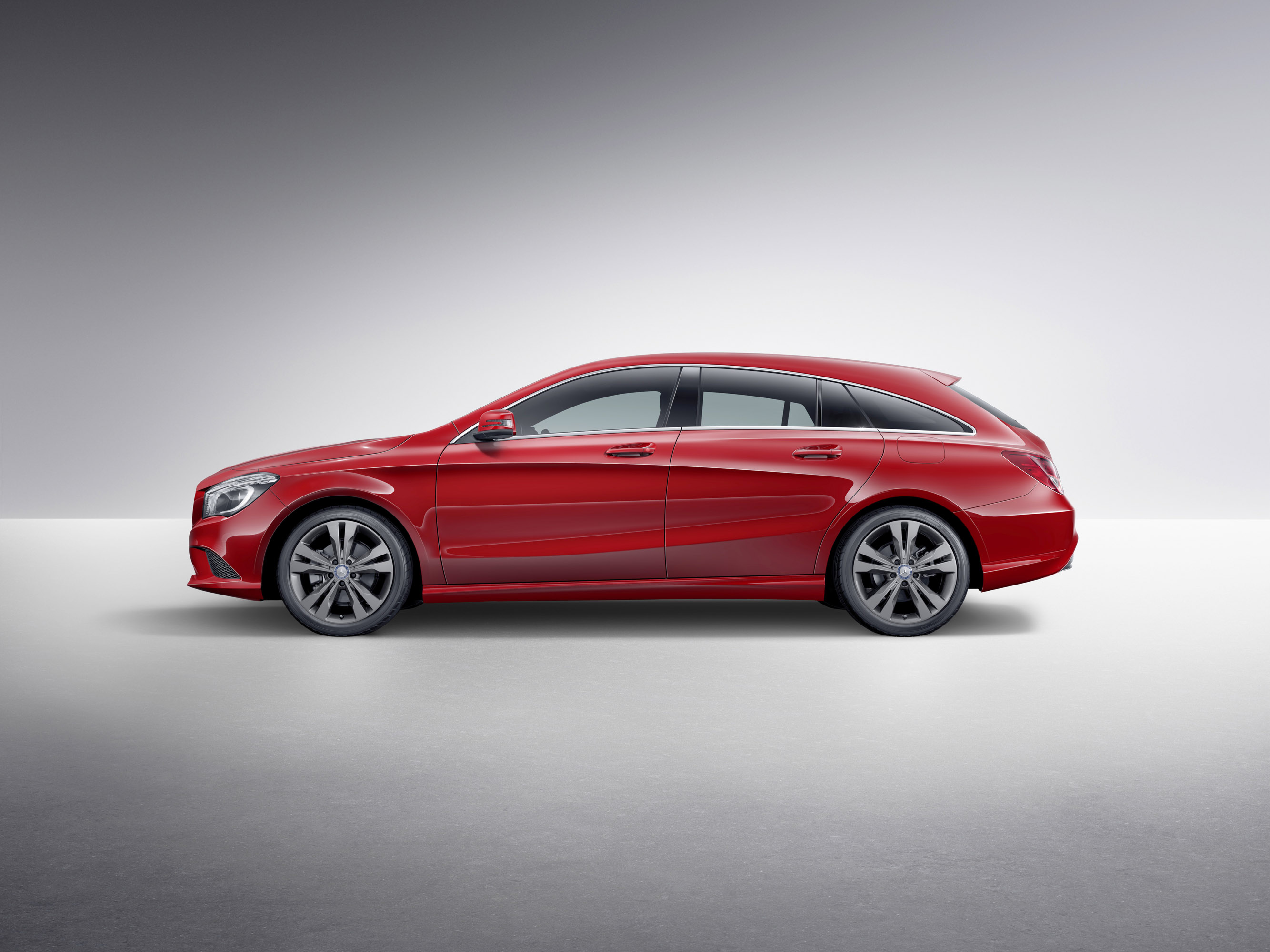 mercedes benz cla 45 amg shooting brake to debut in 2015. Black Bedroom Furniture Sets. Home Design Ideas