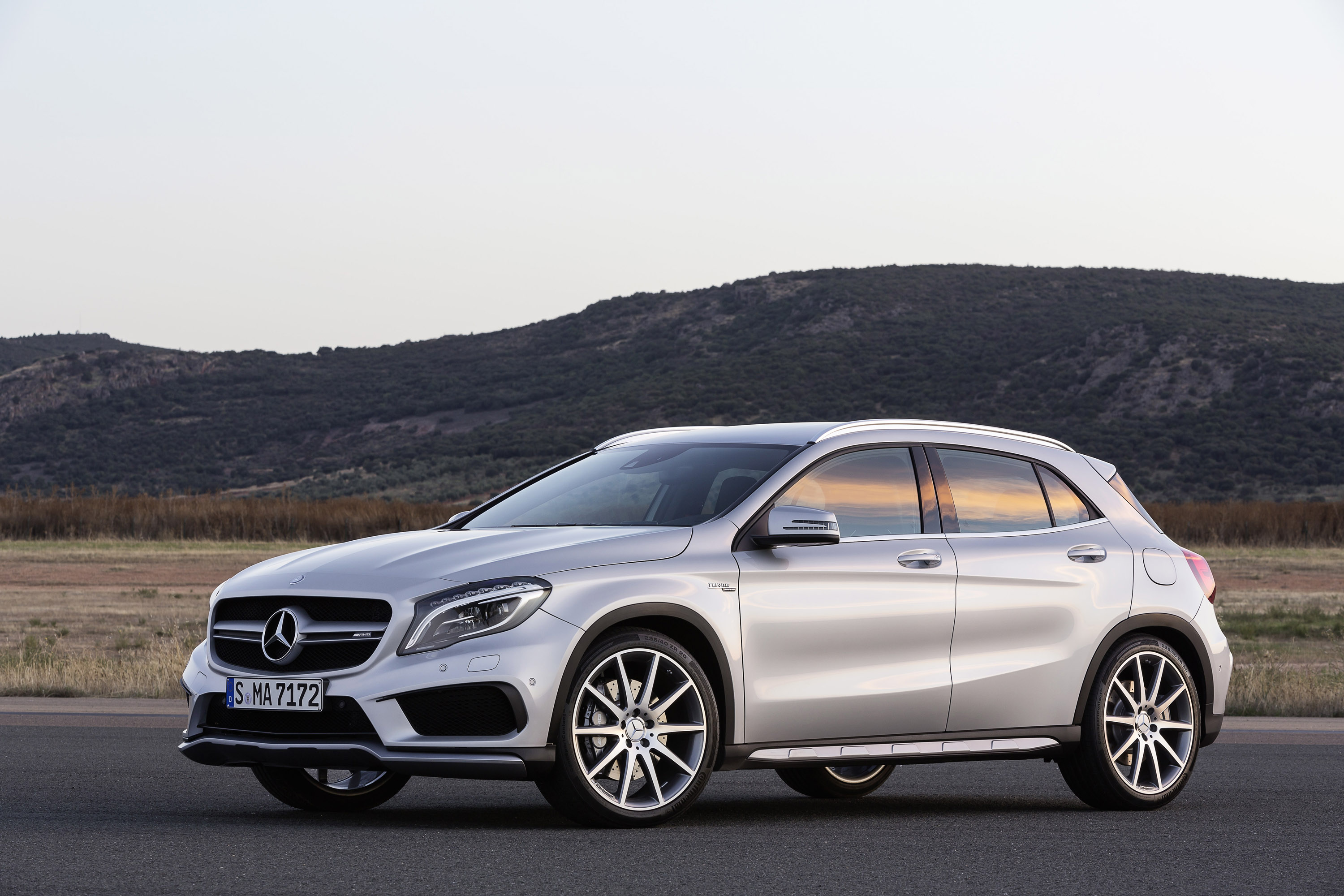 2015 mercedes benz gla us price. Black Bedroom Furniture Sets. Home Design Ideas