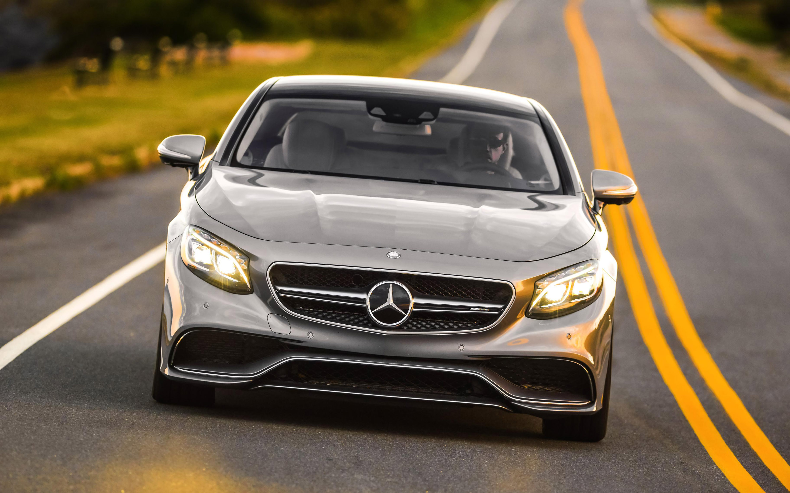 https://www.automobilesreview.com/gallery/2015-mercedes-benz-s63-amg-4matic-coupe/2015-mercedes-benz-s63-amg-01.jpg