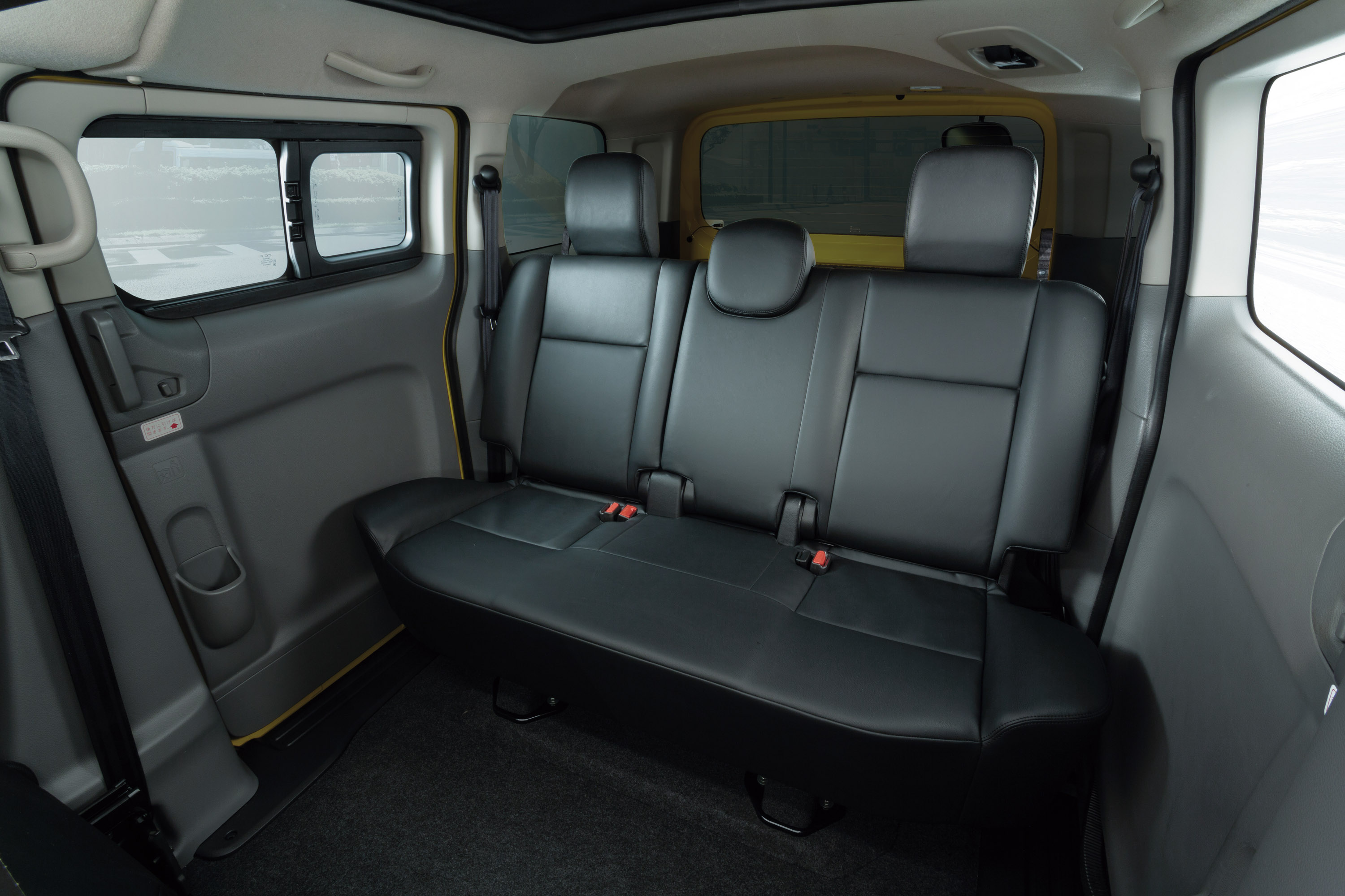 nissan introduces its new generation nv200 taxi in japan. Black Bedroom Furniture Sets. Home Design Ideas