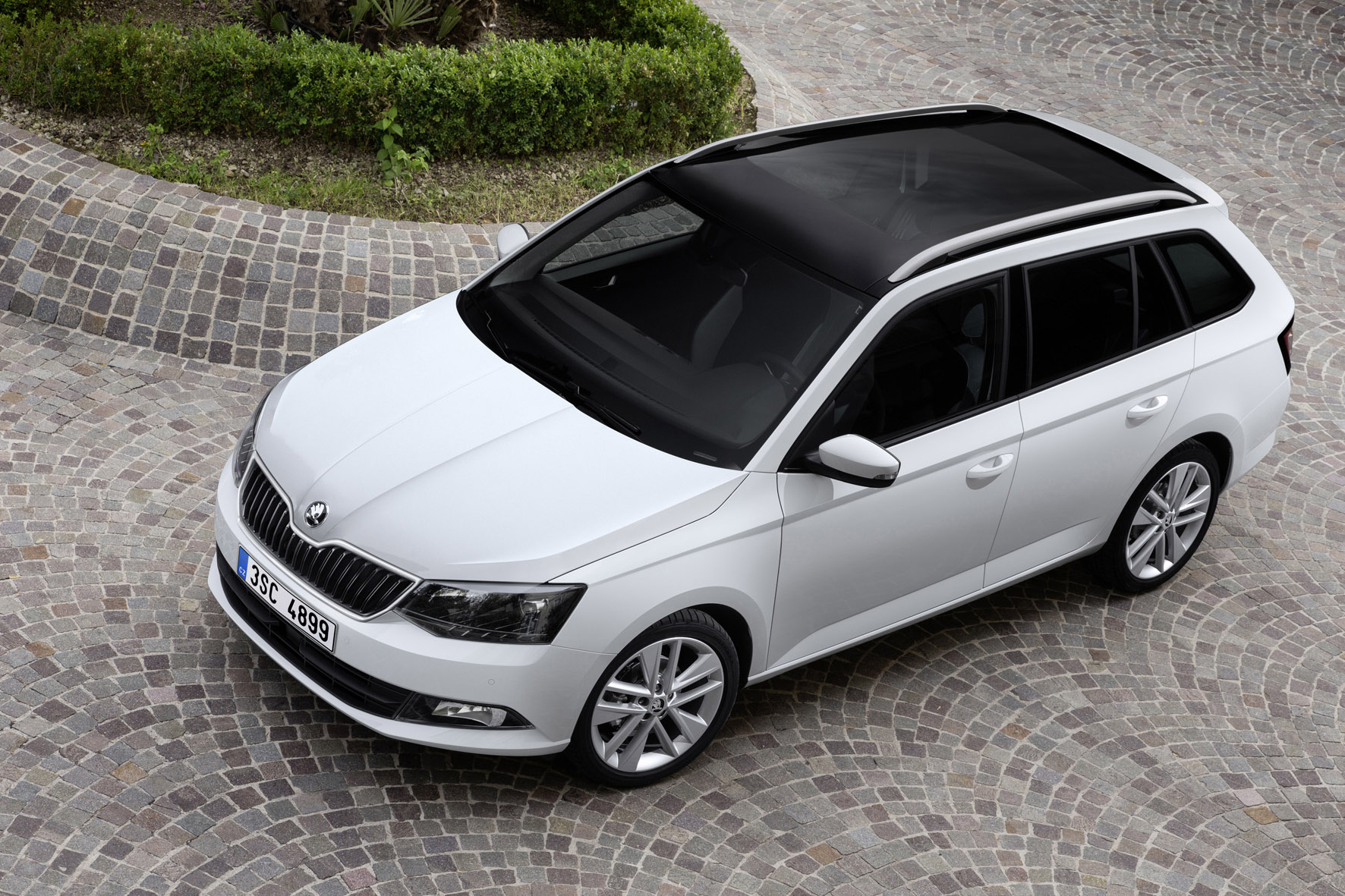 production launch for the new skoda fabia estate. Black Bedroom Furniture Sets. Home Design Ideas