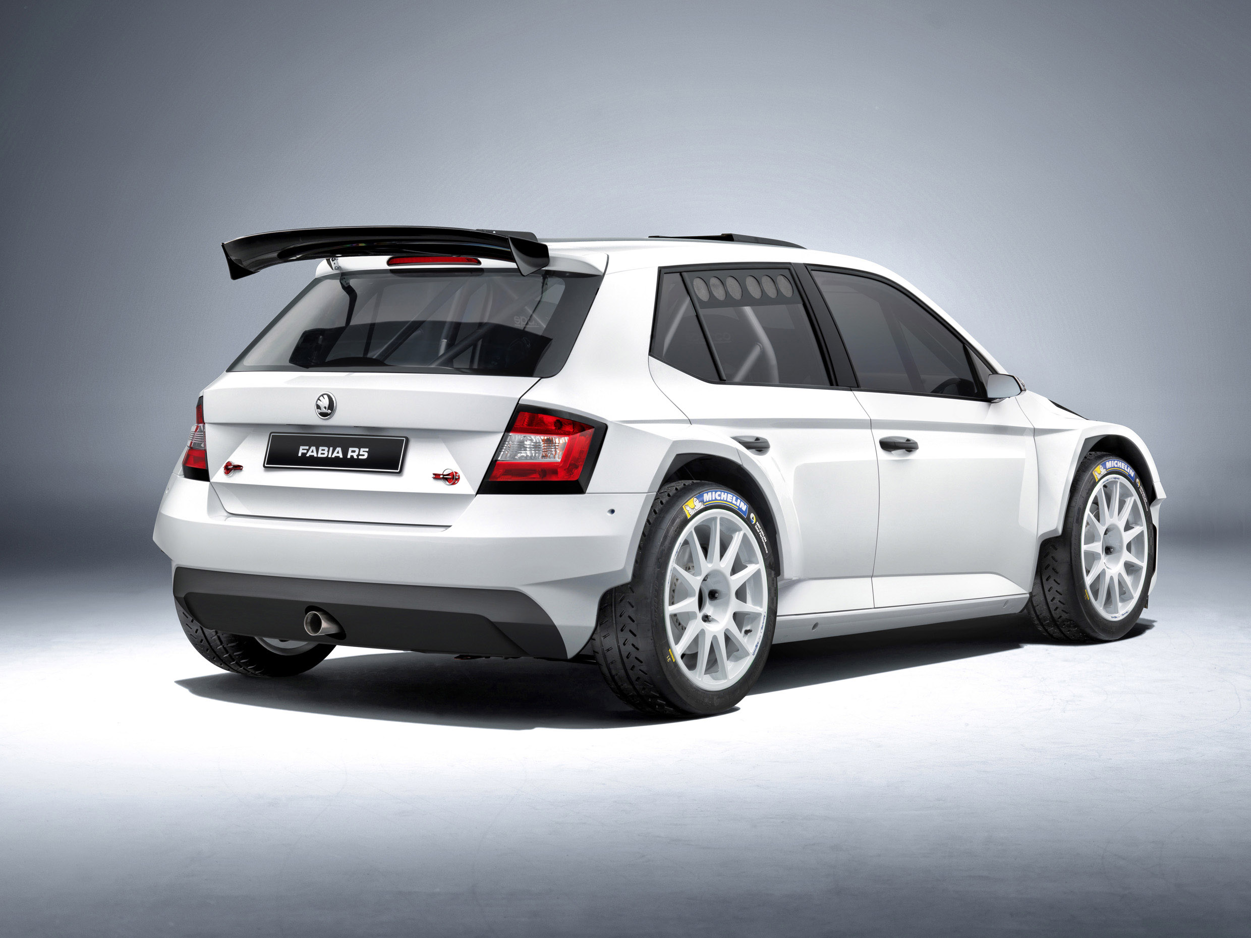 skoda fabia r5 is ready for the road. Black Bedroom Furniture Sets. Home Design Ideas