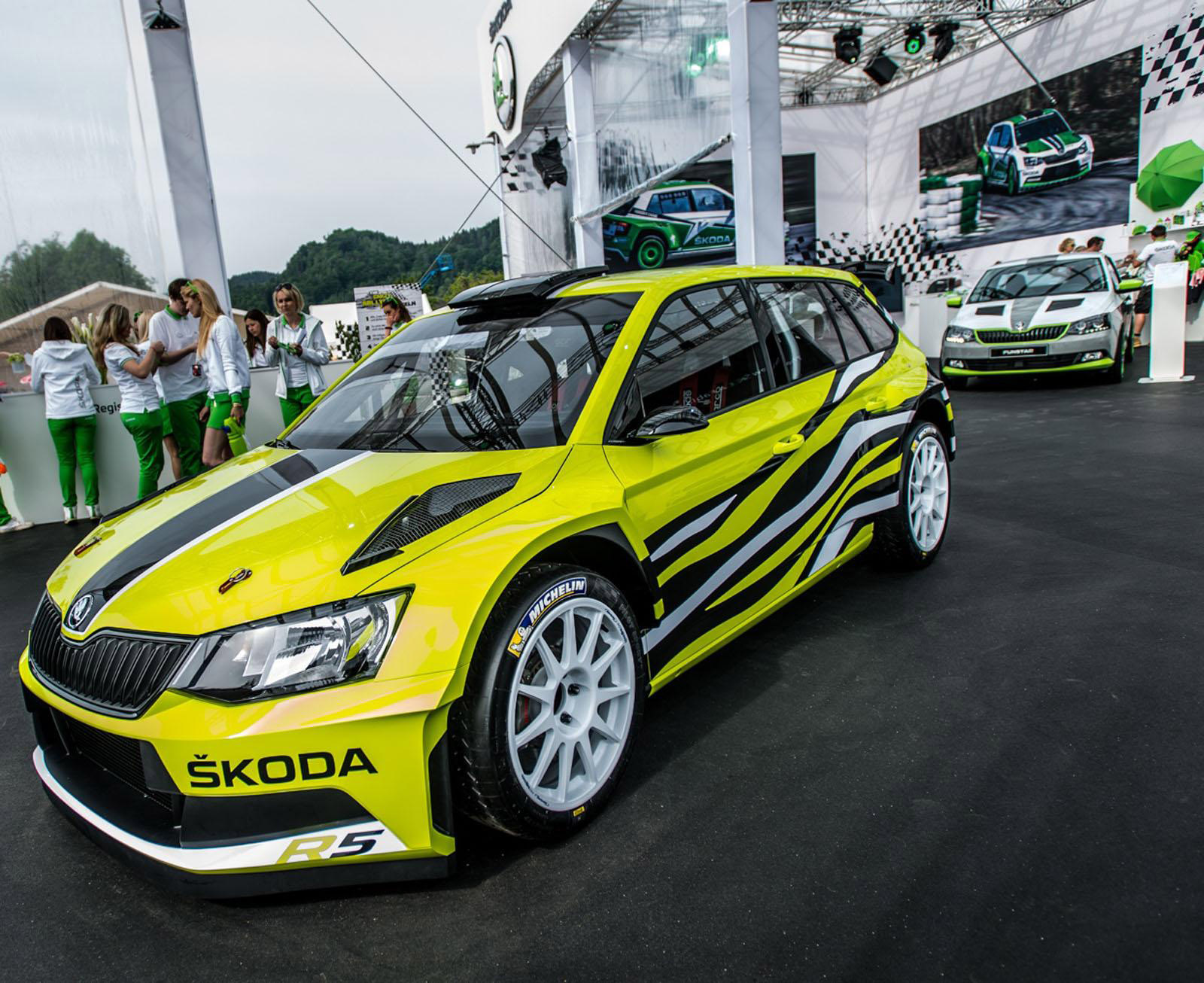 skoda fabia r5 combi revealed at w rthersee. Black Bedroom Furniture Sets. Home Design Ideas