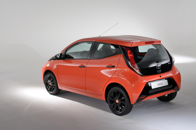 Toyota Of Orange >> Toyota Upgrades 2015 Aygo Range