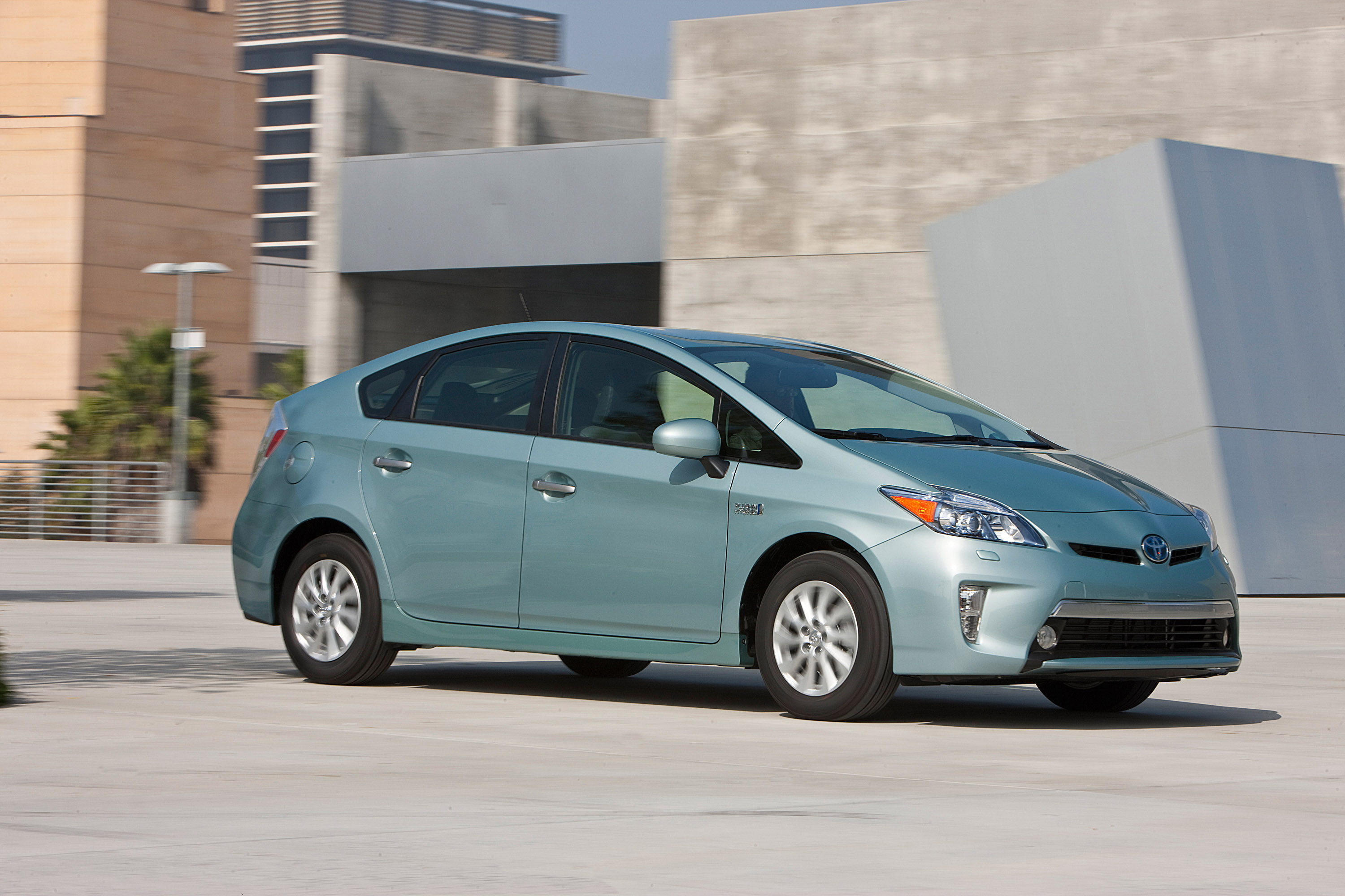 2015 toyota prius plug in hybrid. Black Bedroom Furniture Sets. Home Design Ideas