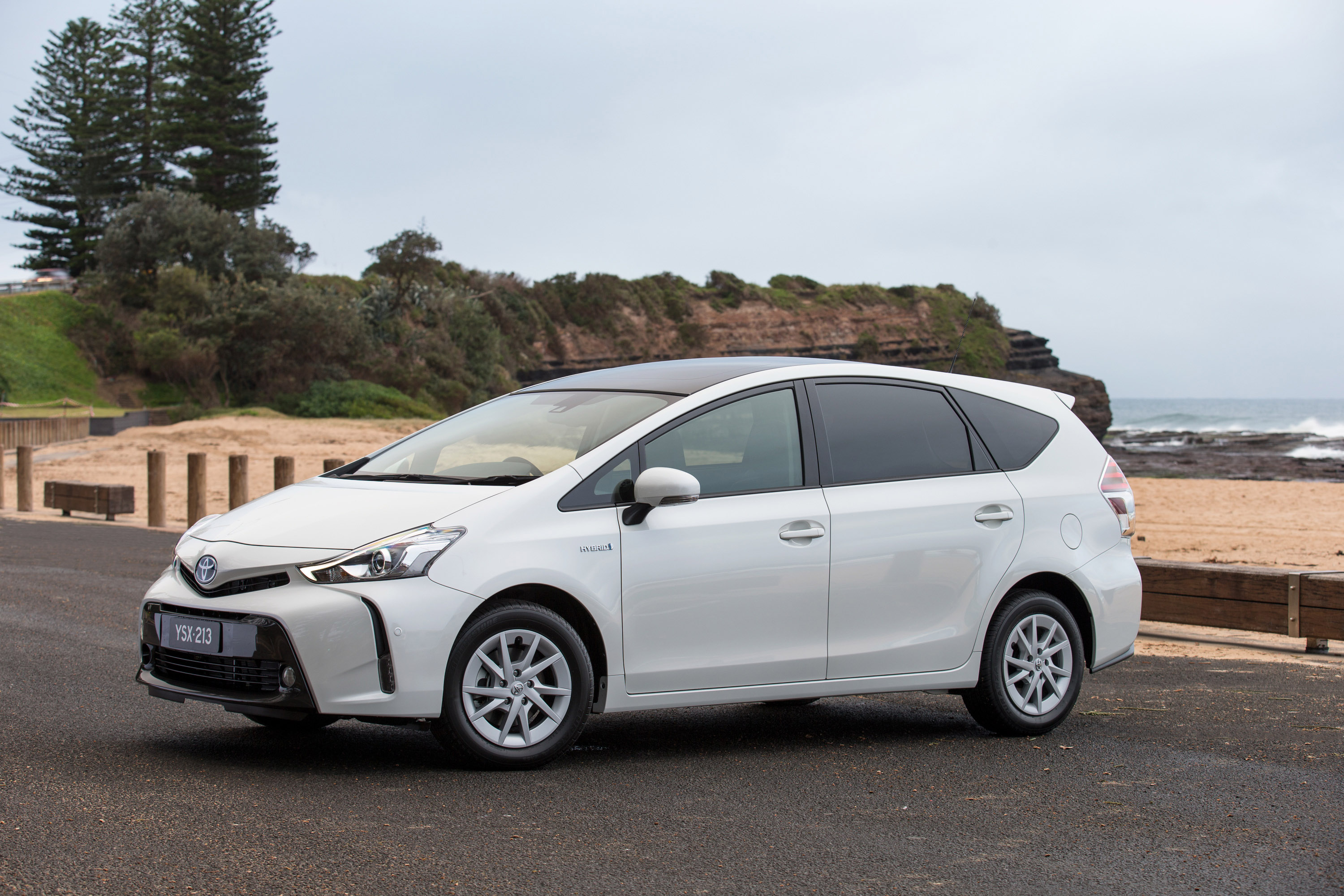 2015 toyota prius v hybrid with great comfort comes and great performance. Black Bedroom Furniture Sets. Home Design Ideas