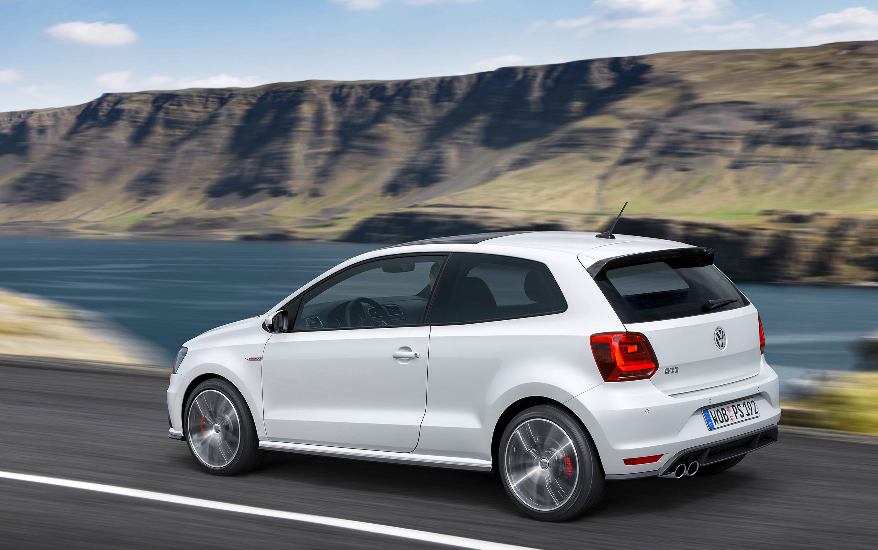 2015 volkswagen polo gti facelift is almost as good as the. Black Bedroom Furniture Sets. Home Design Ideas