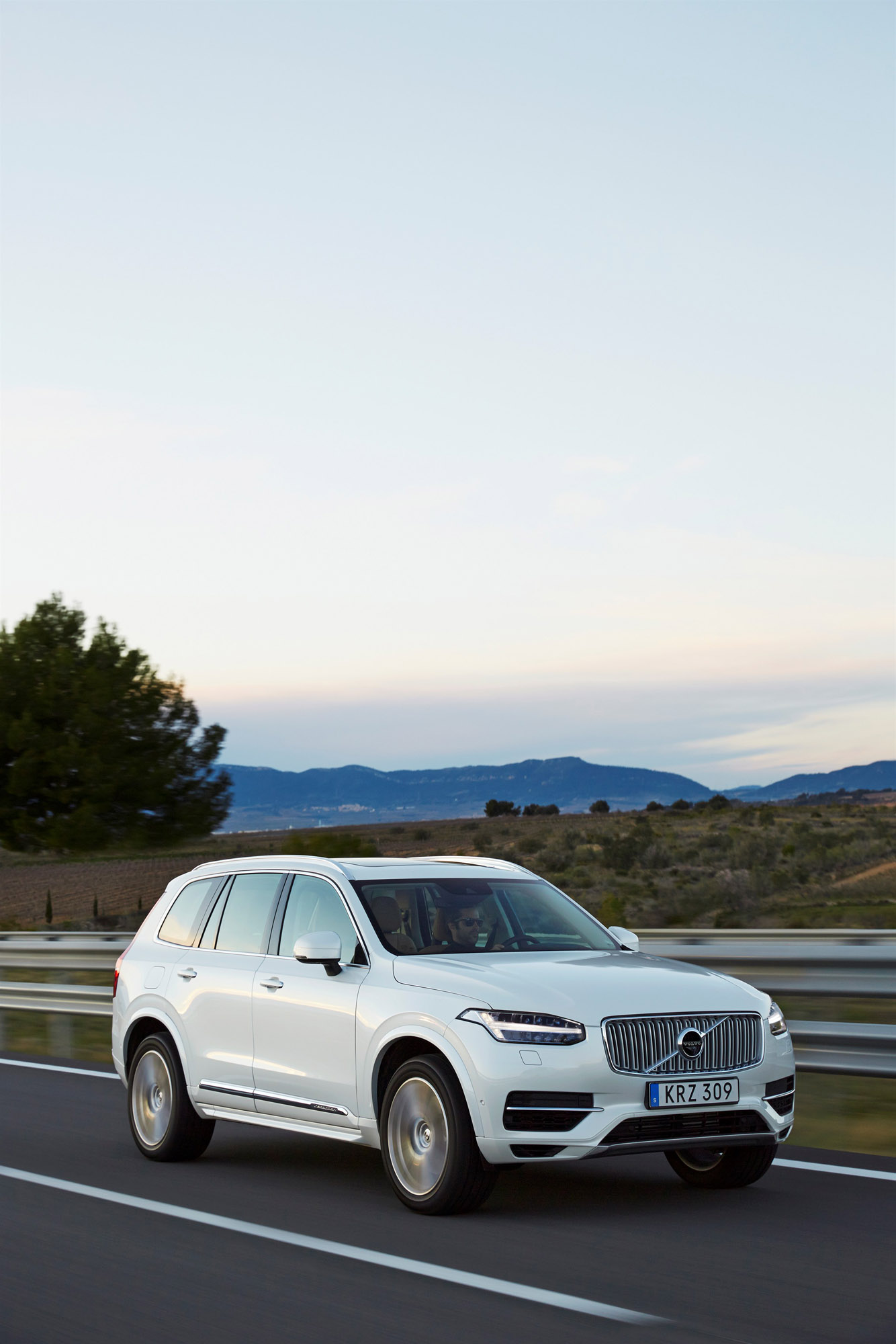 New Volvo Xc90 >> Volvo Is Ready to Unveil yet Another Hybrid