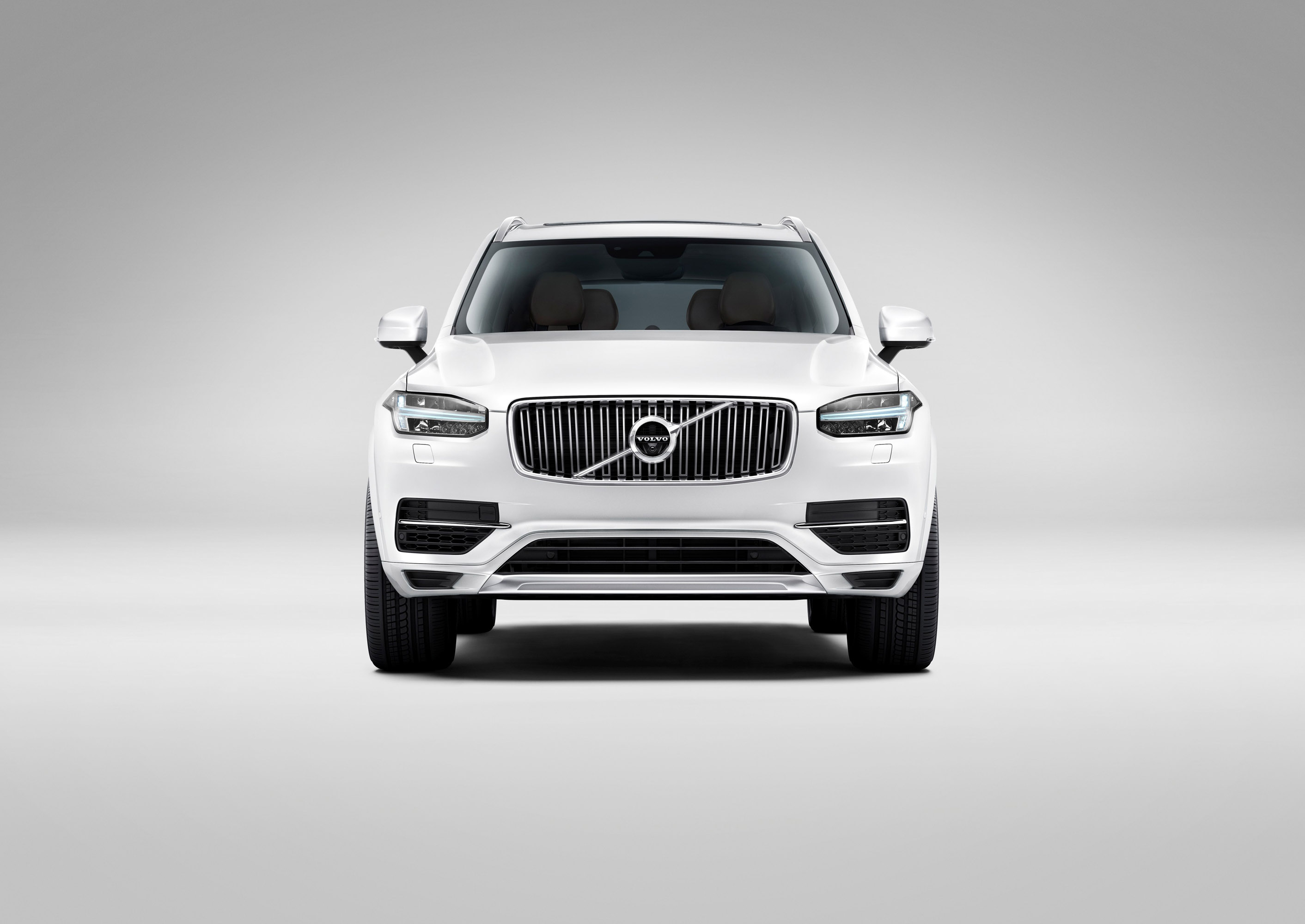 volvo cars debuts the new 2015 volvo xc90. Black Bedroom Furniture Sets. Home Design Ideas