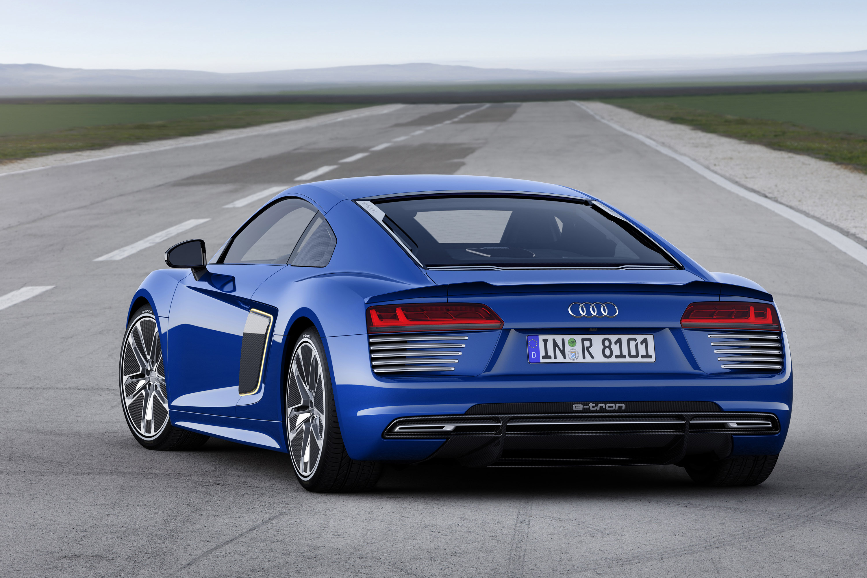 Audi R8 Family Gets Updated with Innovative Technologies