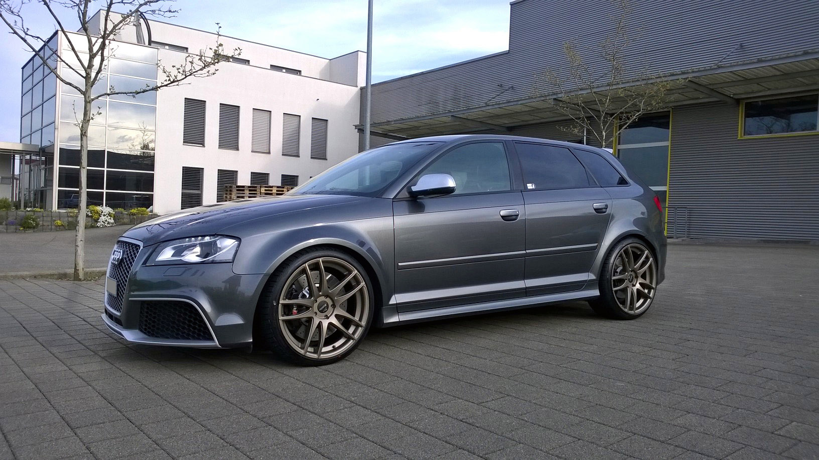 audi rs3 8p equipped with barracuda shoxx wheels and kw. Black Bedroom Furniture Sets. Home Design Ideas