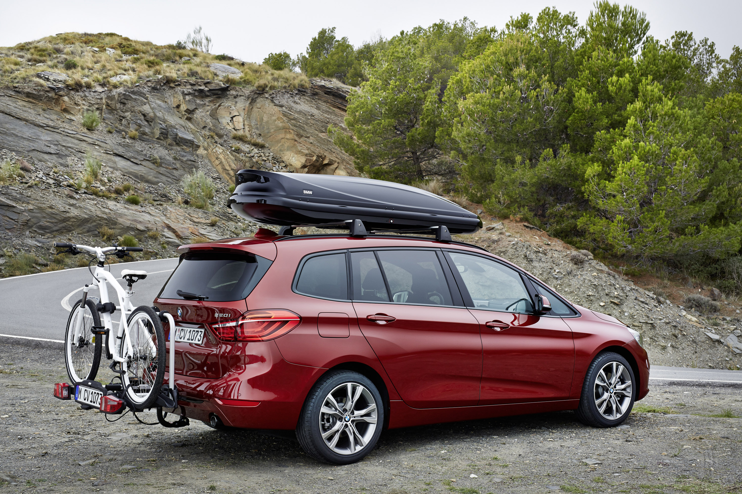 the new bmw 2 series gran tourer looks demotivating. Black Bedroom Furniture Sets. Home Design Ideas
