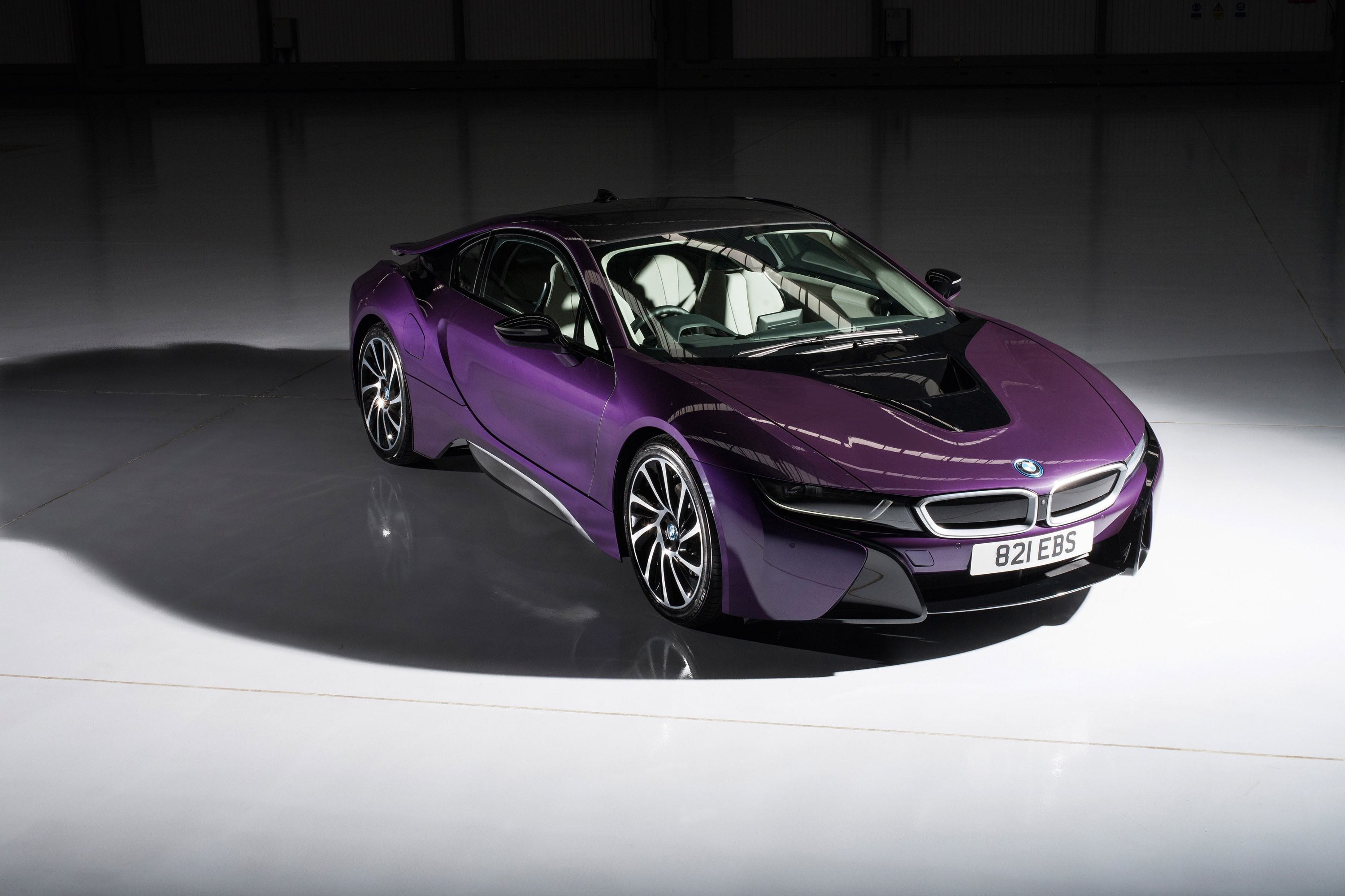 Car Exterior: BMW Individual Releases I8 Exterior Paint Programme