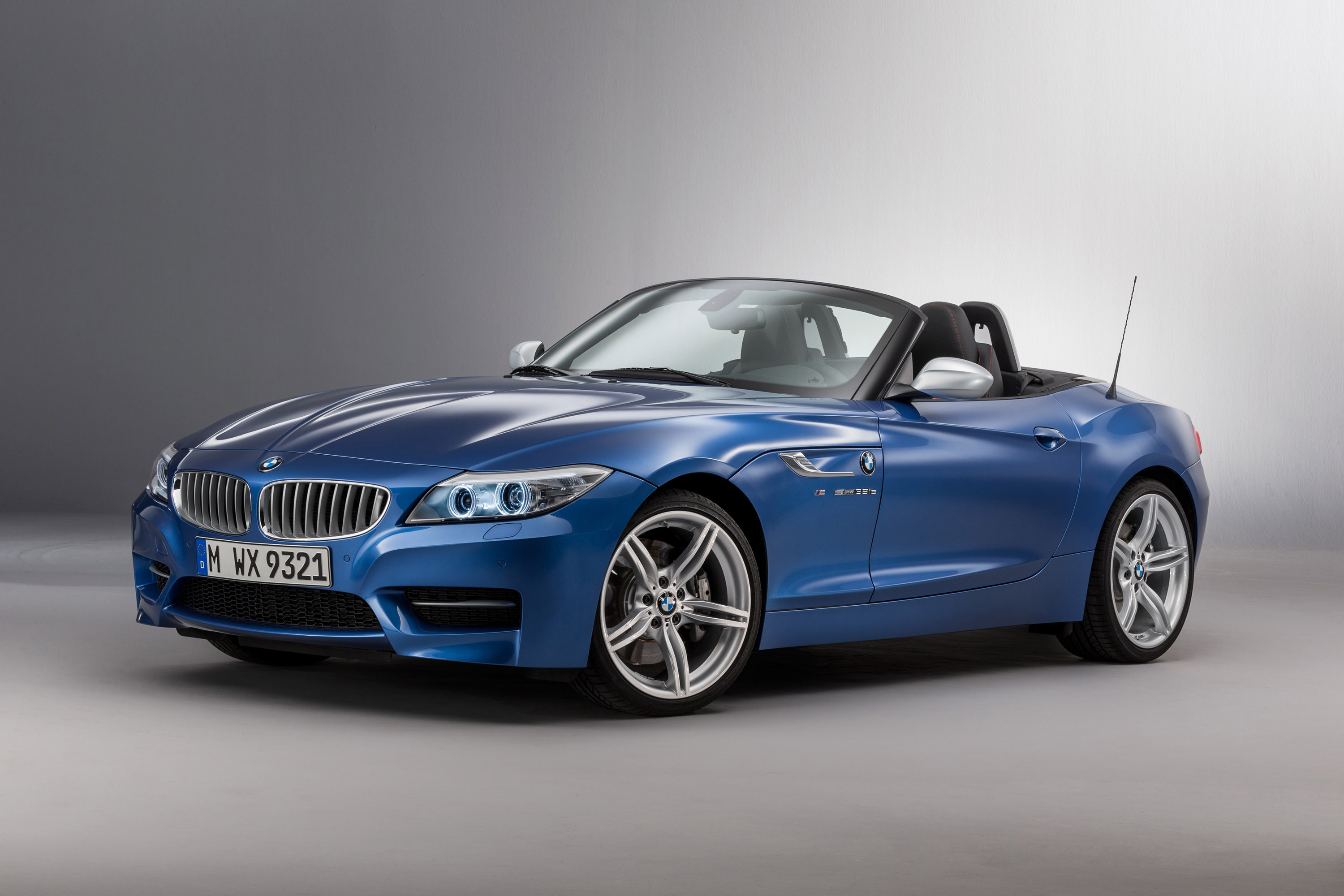 bmw reveals z4 facelift and you will not expect to see this. Black Bedroom Furniture Sets. Home Design Ideas