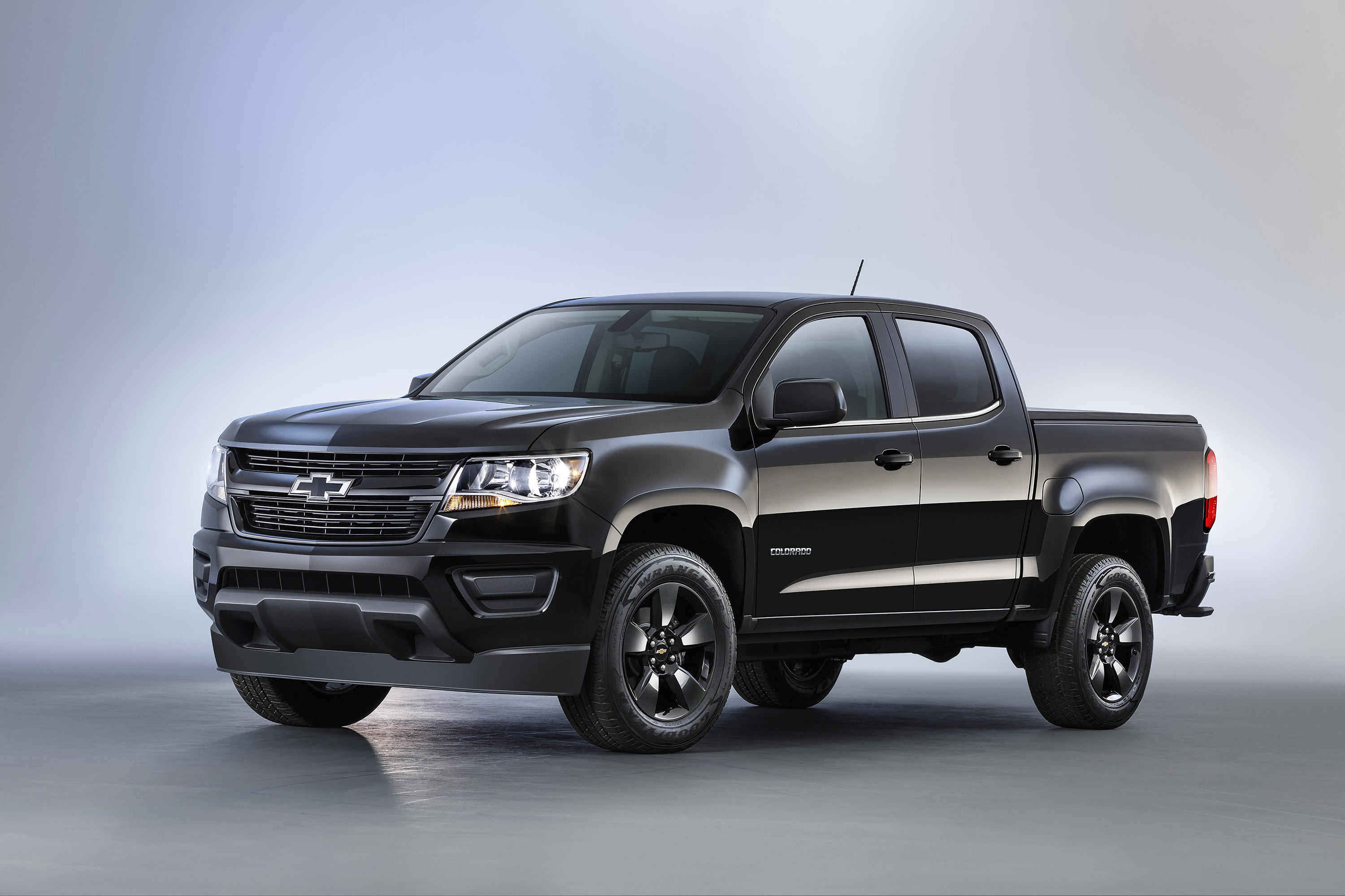 Chevy Silverado Black Out >> Meet the new Chevy Colorado's Midnight and Trail Boss editions