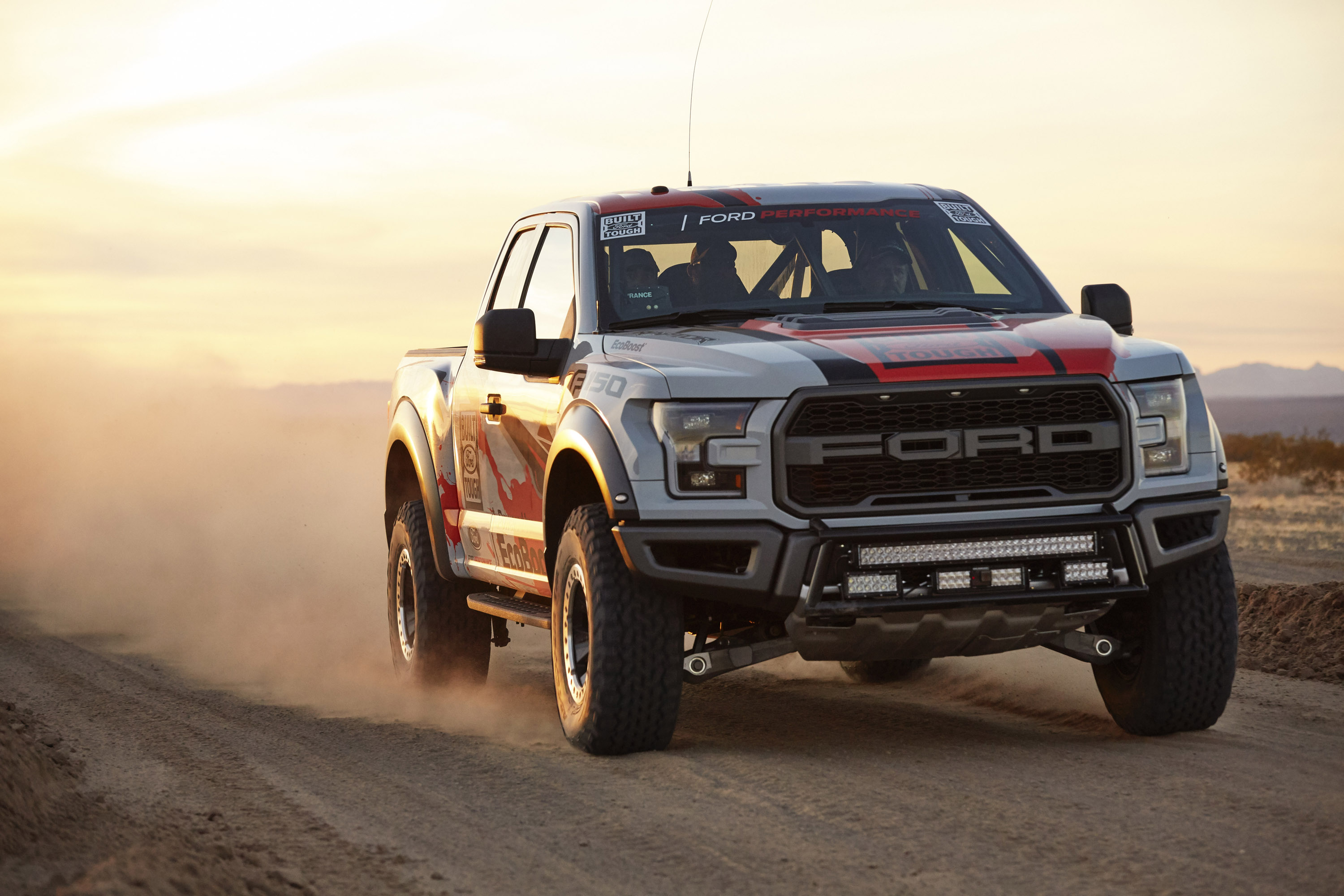 ford f 150 raptor is ready for the off road challenges. Black Bedroom Furniture Sets. Home Design Ideas