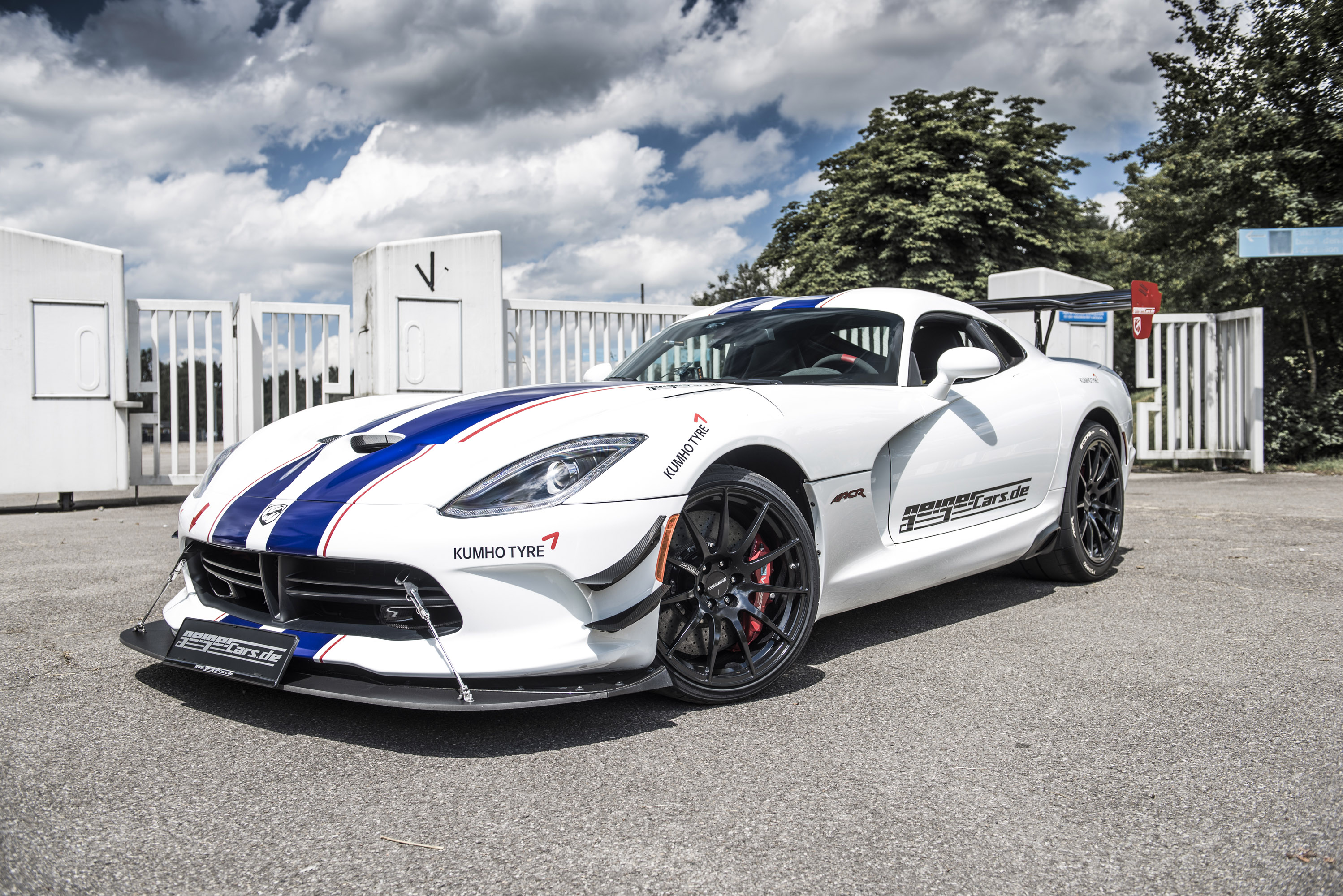GeigerCars.de releases tuned Dodge Viper ACR