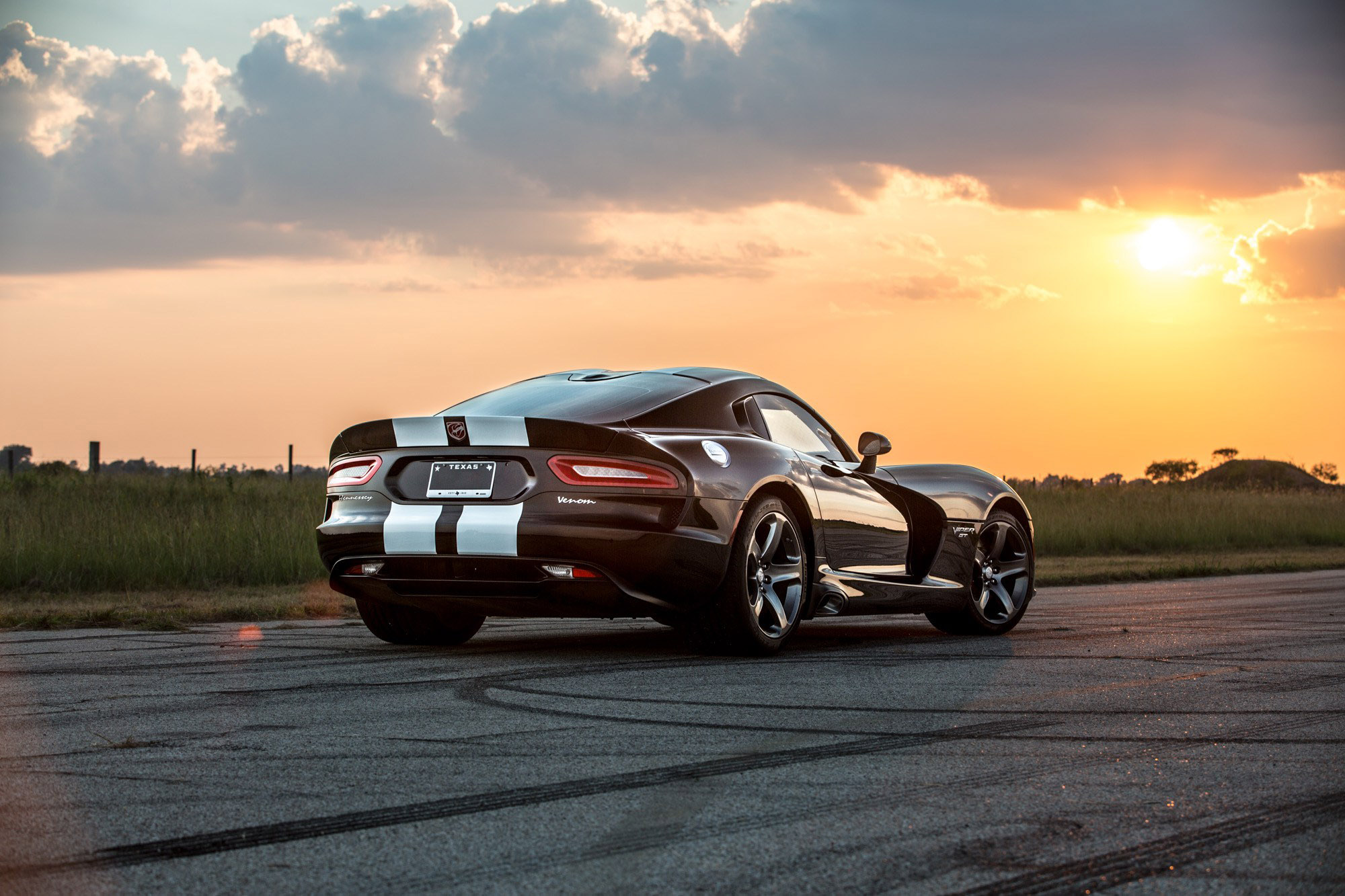hennessey releases video of dodge viper venom 800. Black Bedroom Furniture Sets. Home Design Ideas